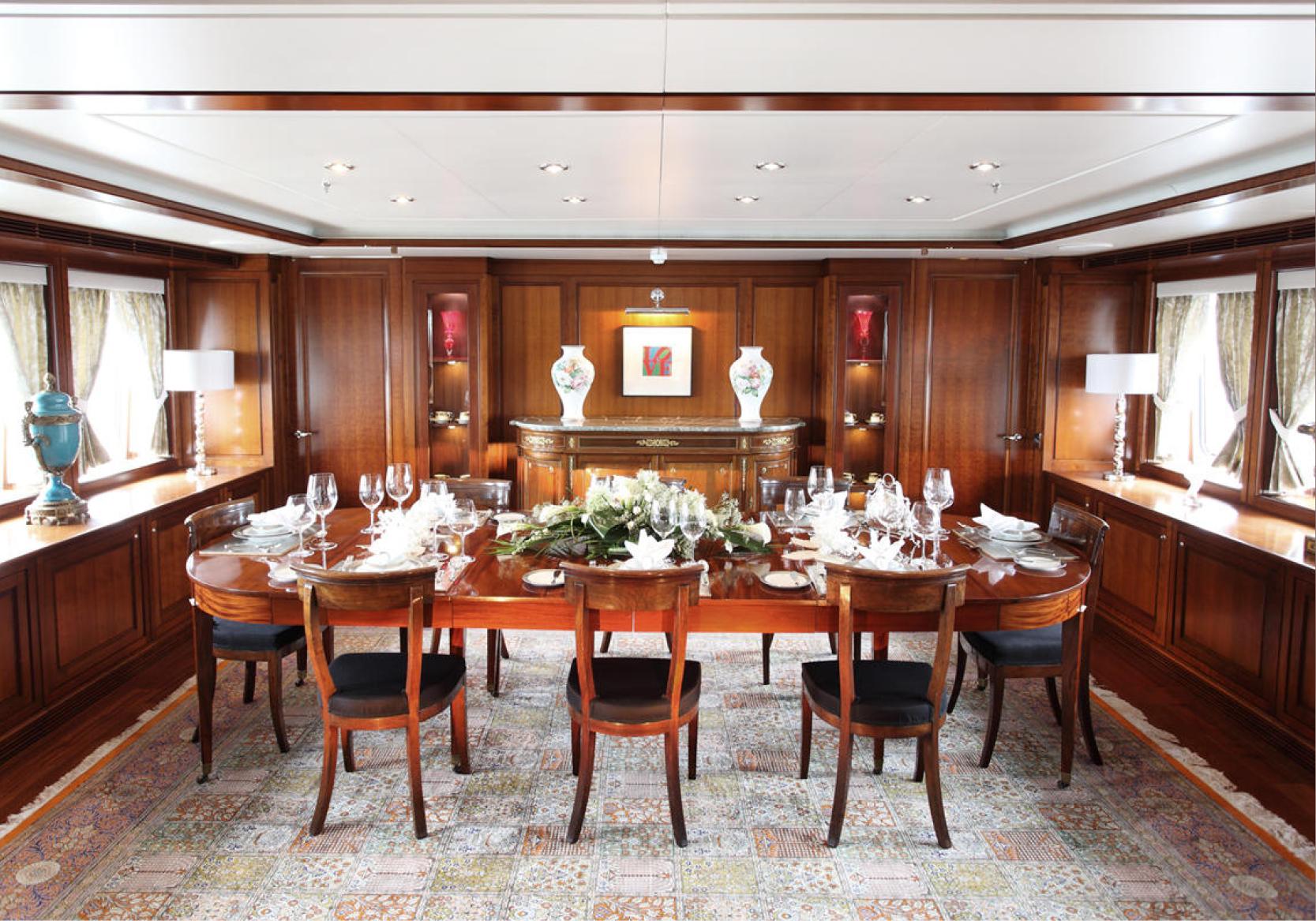 Karen-Lynn-Interior-Design-Yacht-Sea-Dweller-14.jpg