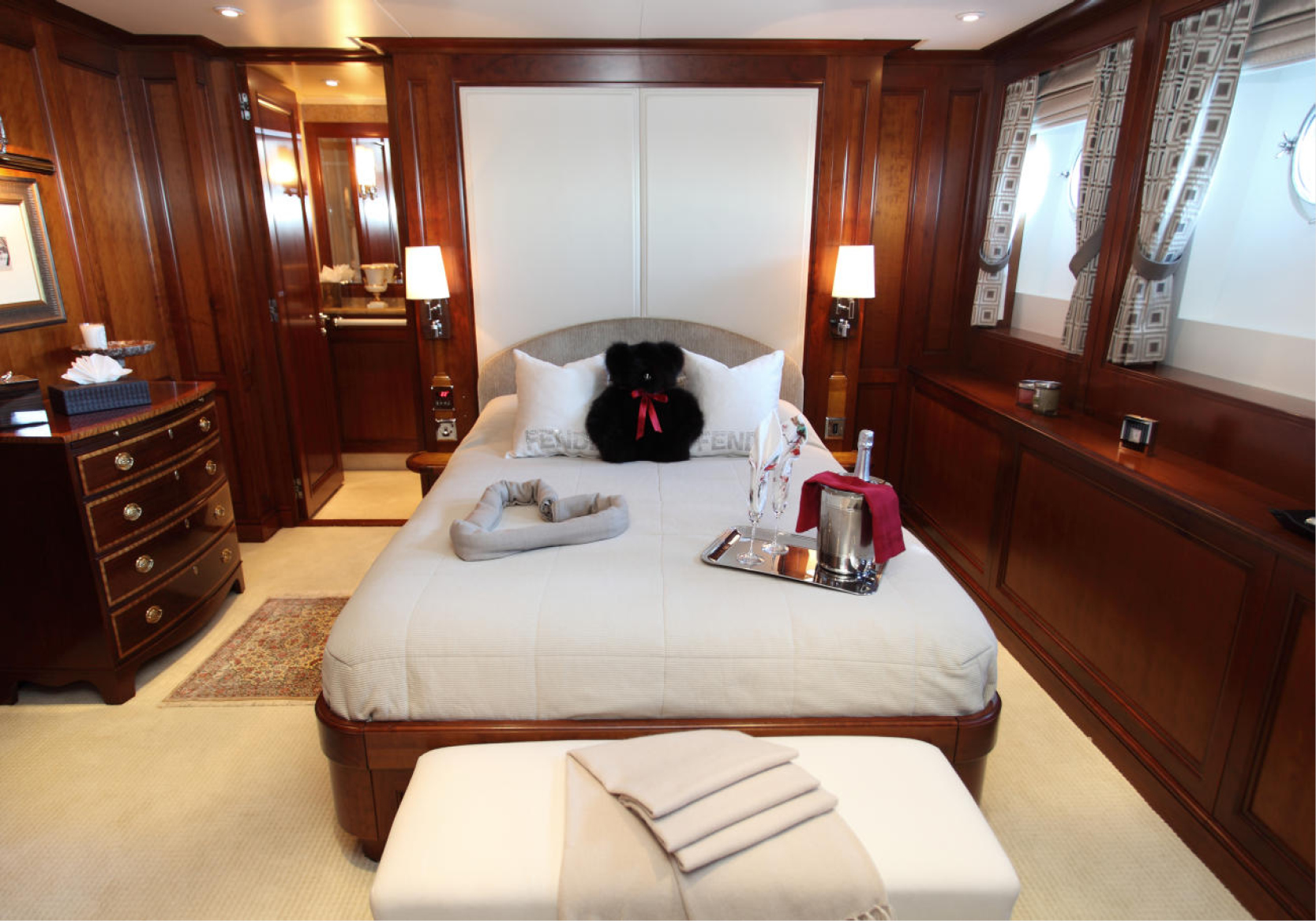 Karen-Lynn-Interior-Design-Yacht-Sea-Dweller-17.jpg