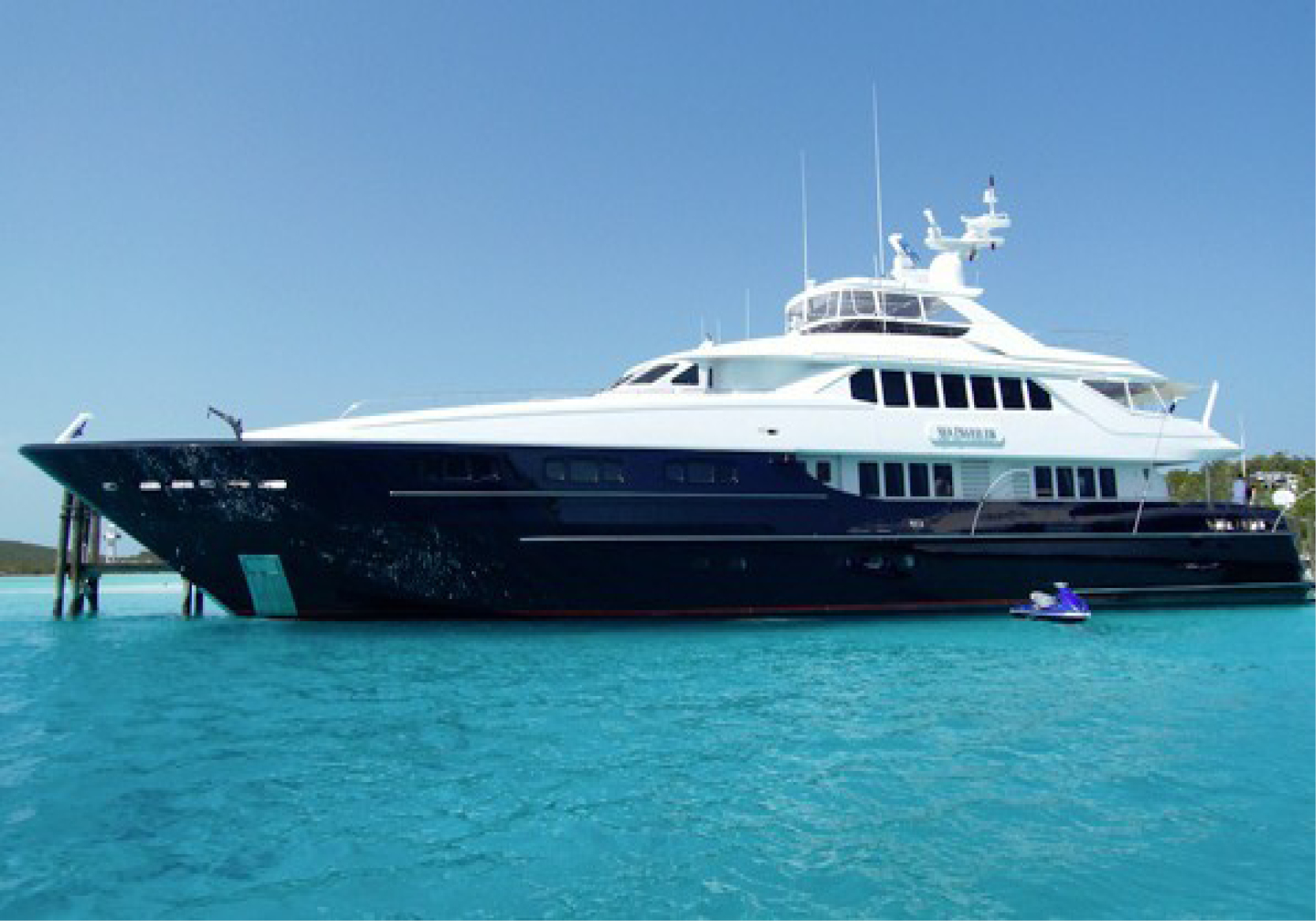 Karen-Lynn-Interior-Design-Yacht-Sea-Dweller-20.jpg