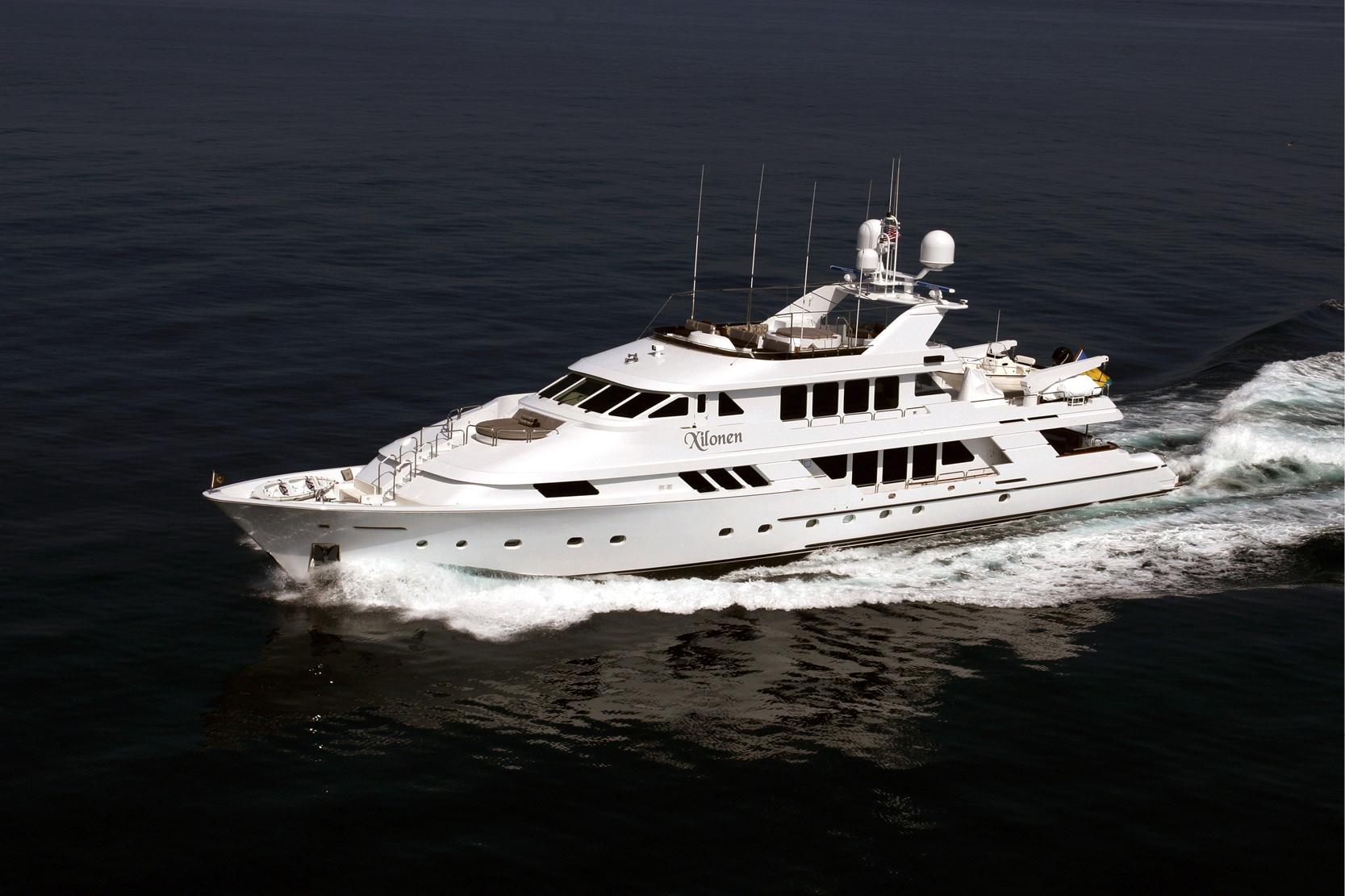 Karen-Lynn-Interior-Design-Yacht-Xilonen_2.jpg
