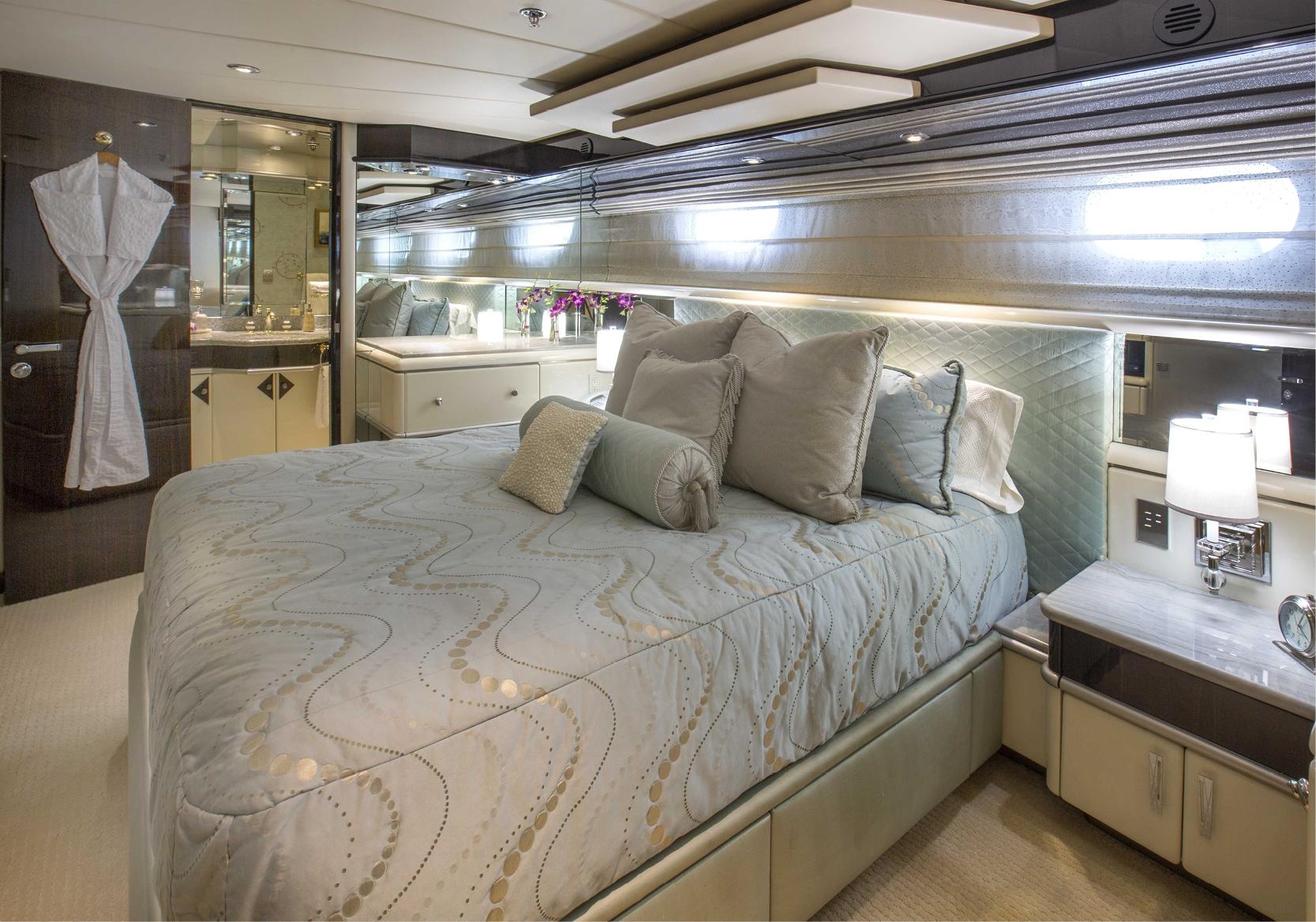 Karen-Lynn-Interior-Design-Yacht-Lady_Bee-15.jpg