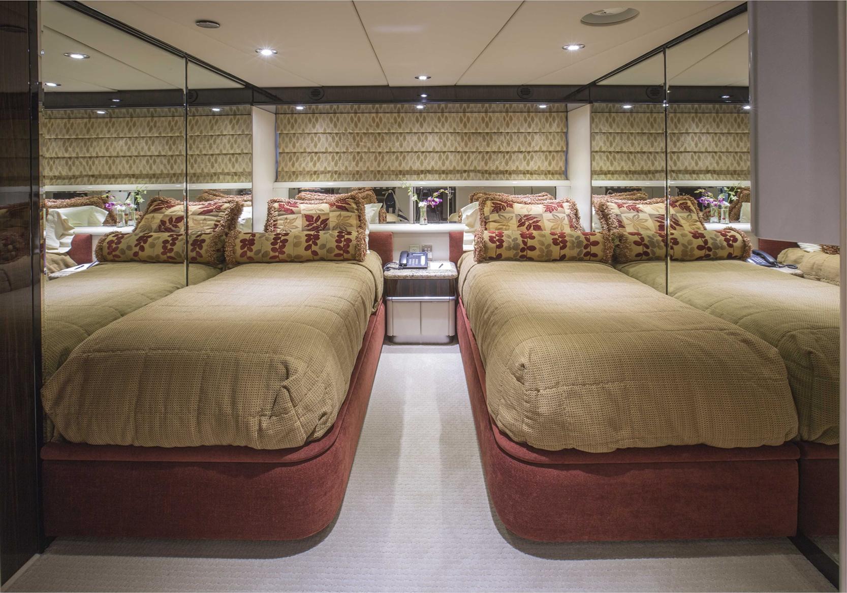 Karen-Lynn-Interior-Design-Yacht-Lady_Bee-16.jpg