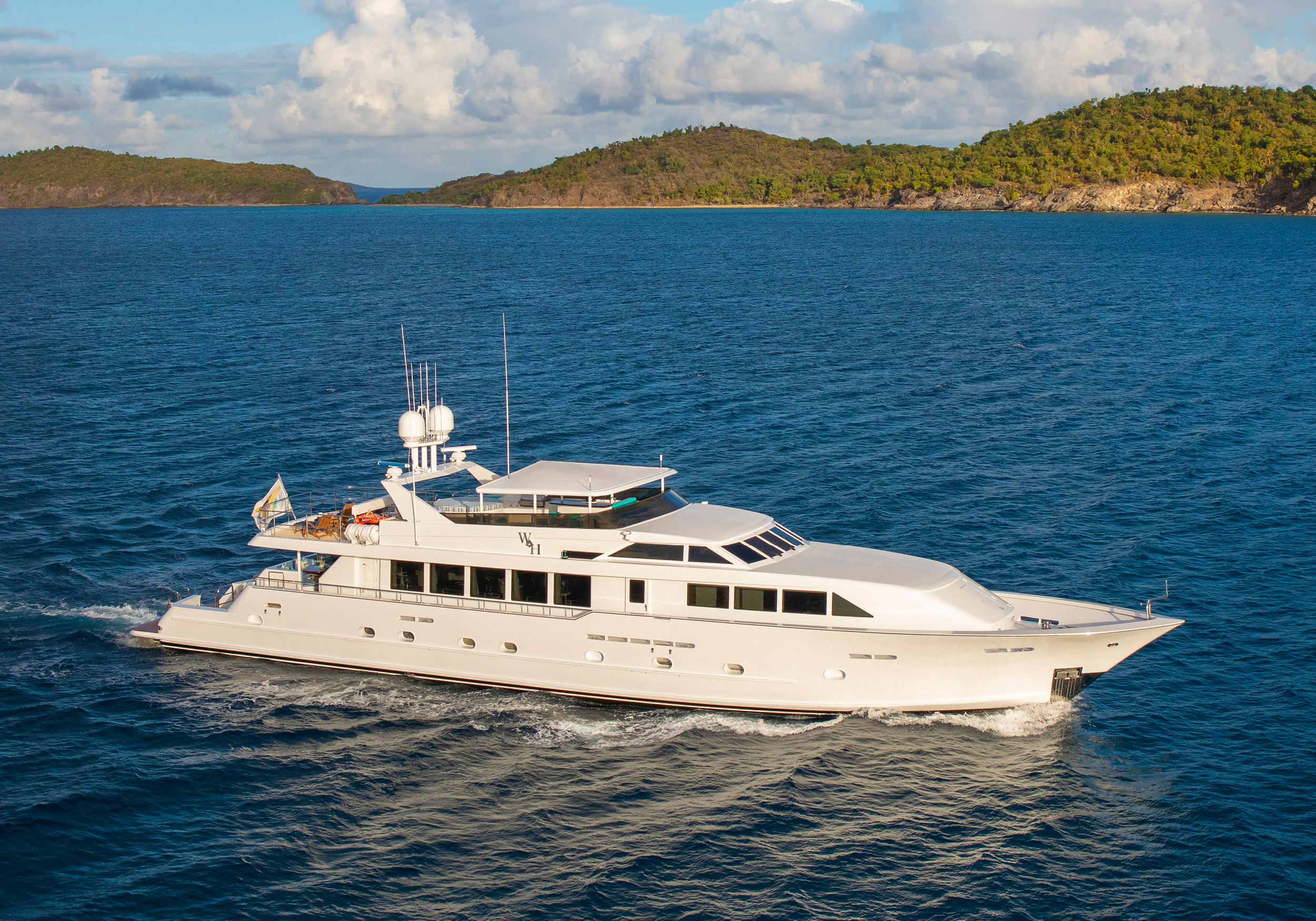 Karen-Lynn-Interior-Design-Yacht-Winning-Hand-1.jpg