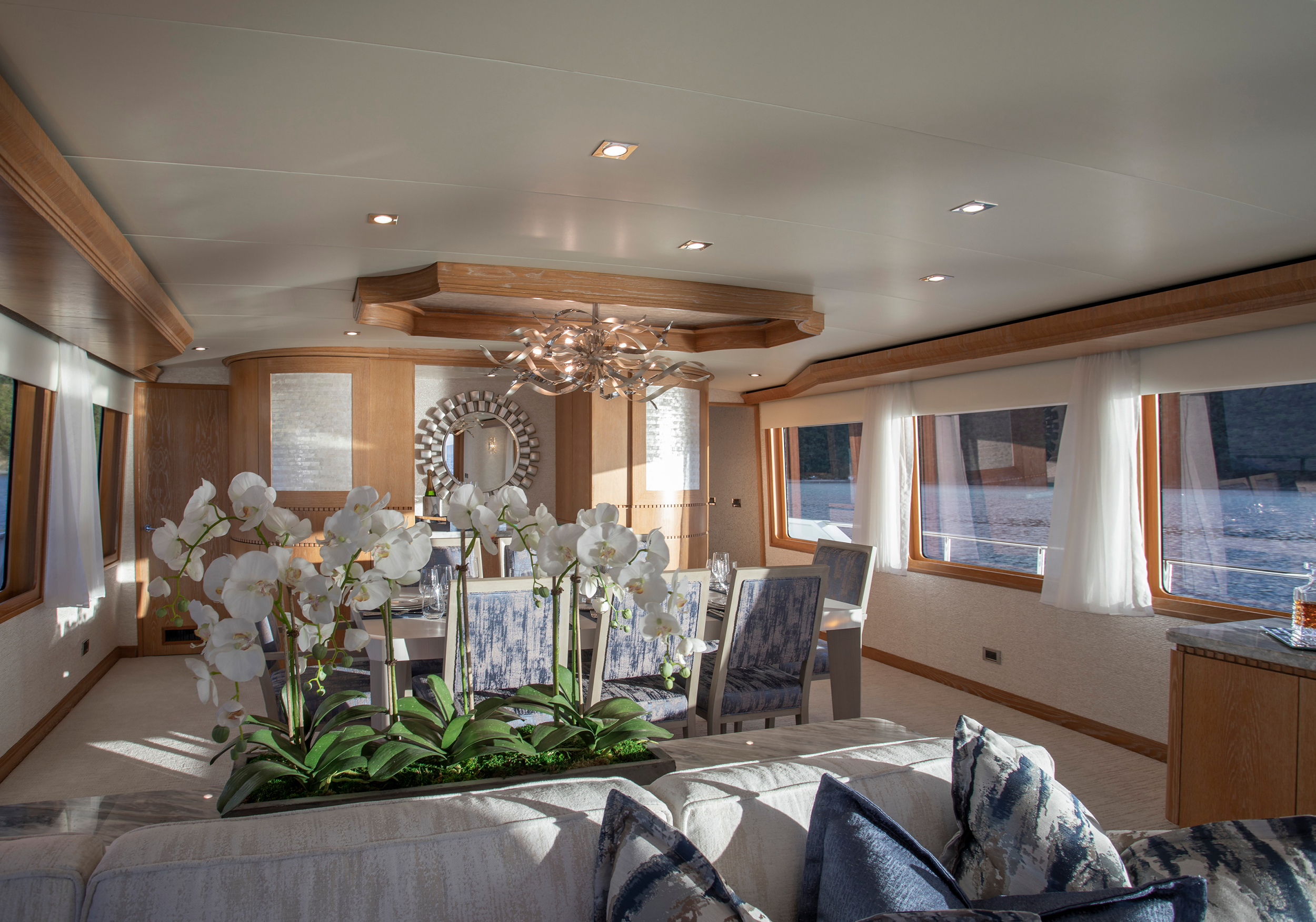 Karen-Lynn-Interior-Design-Yacht-Winning-Hand-10.jpg