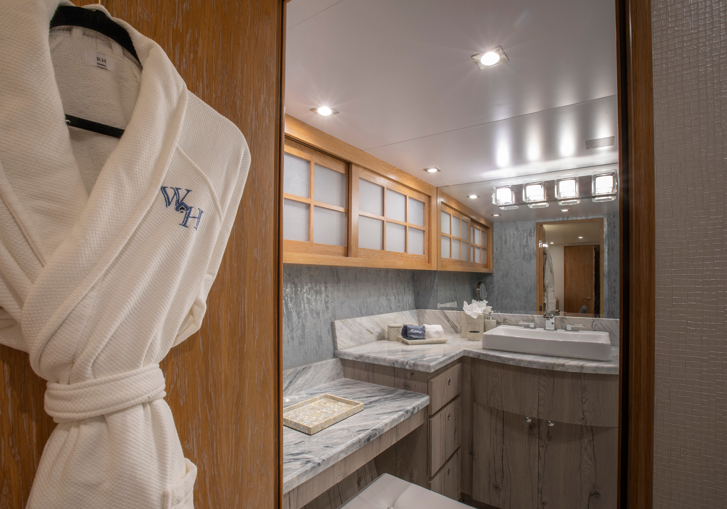 Karen-Lynn-Interior-Design-Yacht-Winning-Hand-17.jpg