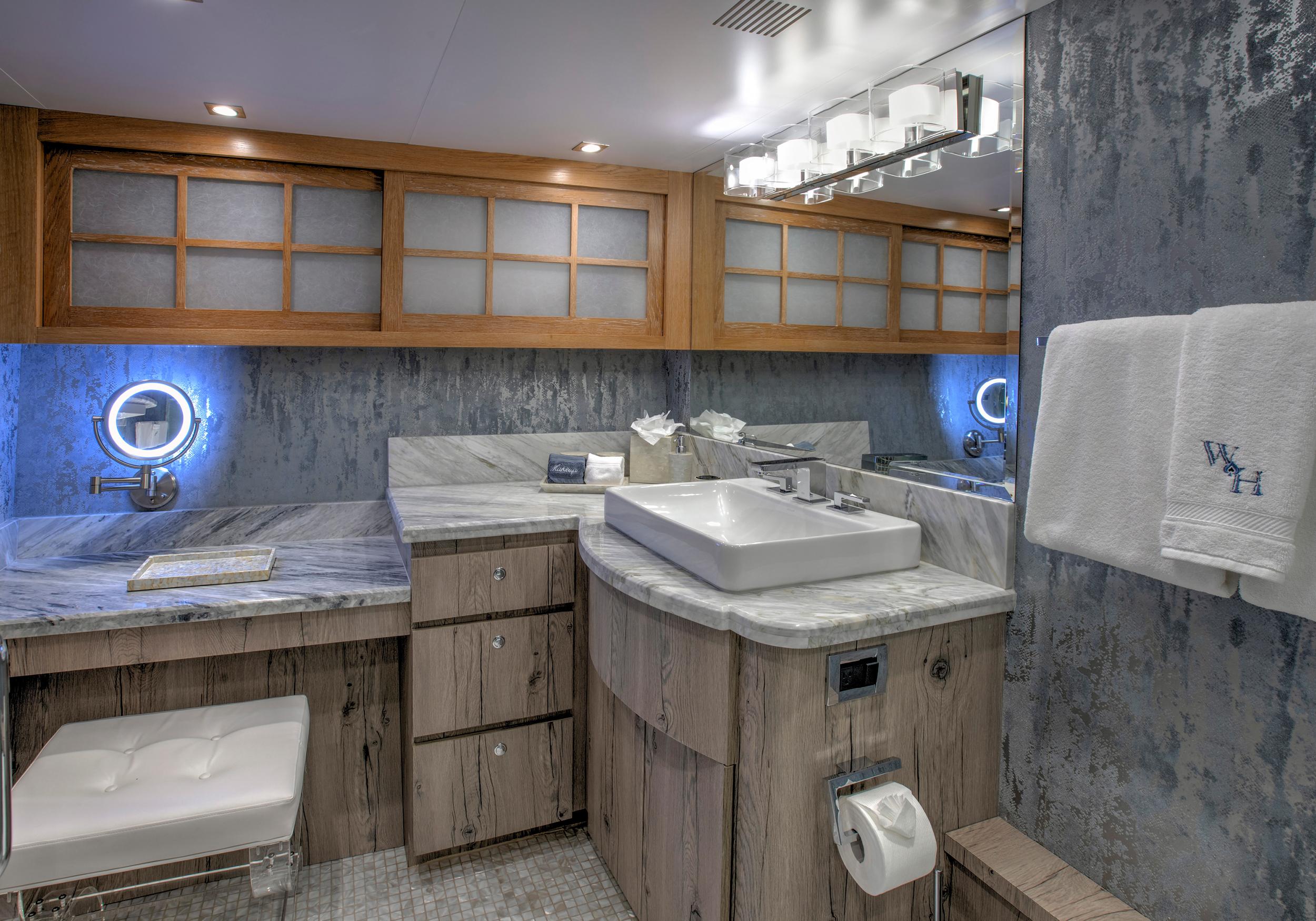 Karen-Lynn-Interior-Design-Yacht-Winning-Hand-21.jpg
