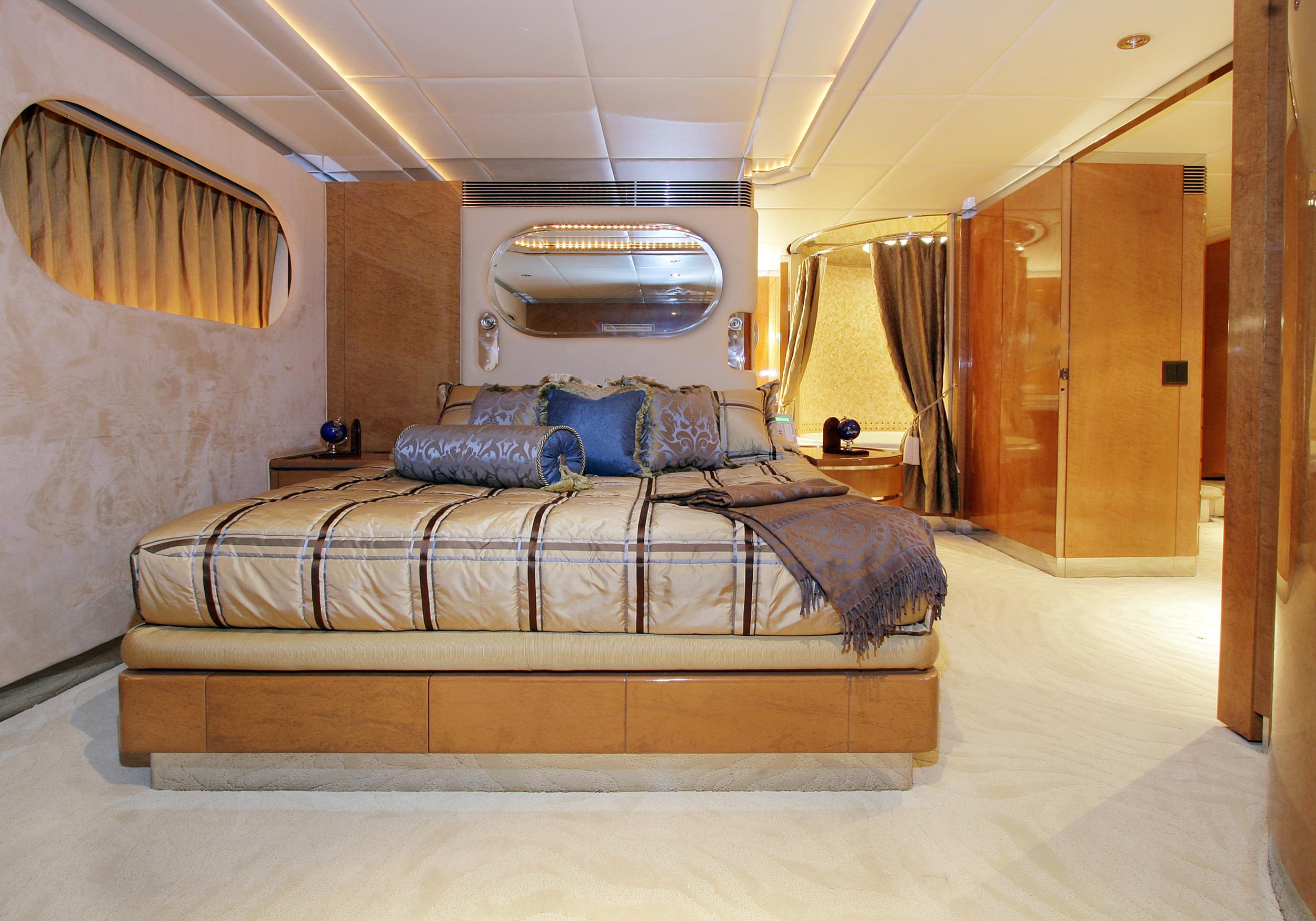 Karen-Lynn-Interior-Design-Yacht-Tooth-Fairy-10.jpg