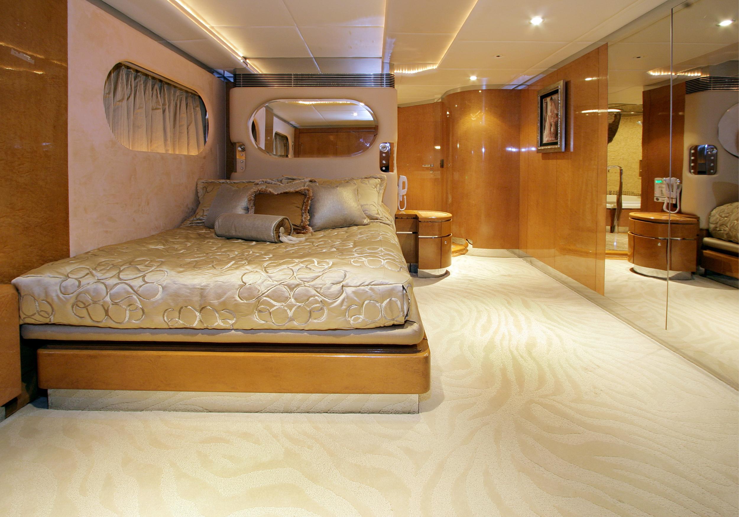 Karen-Lynn-Interior-Design-Yacht-Tooth-Fairy-13.jpg