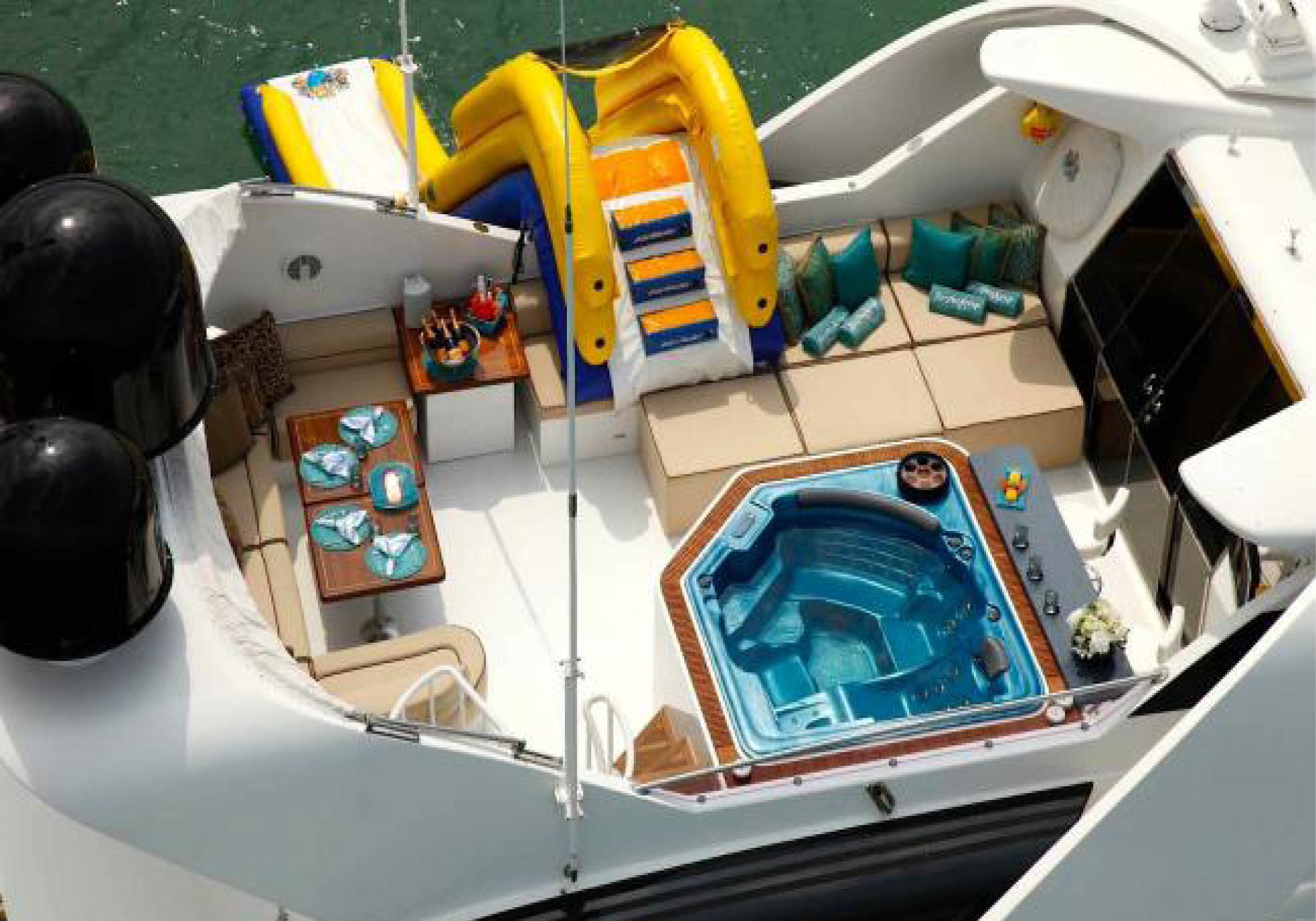 Karen-Lynn-Interior-Design-Yacht-Impulsive-19.jpg
