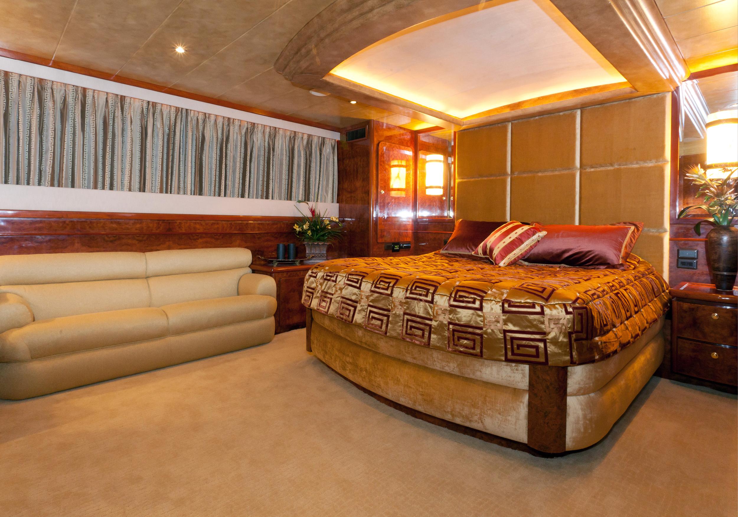 Karen-Lynn-Interior-Design-Yacht-Marbella-9.jpg