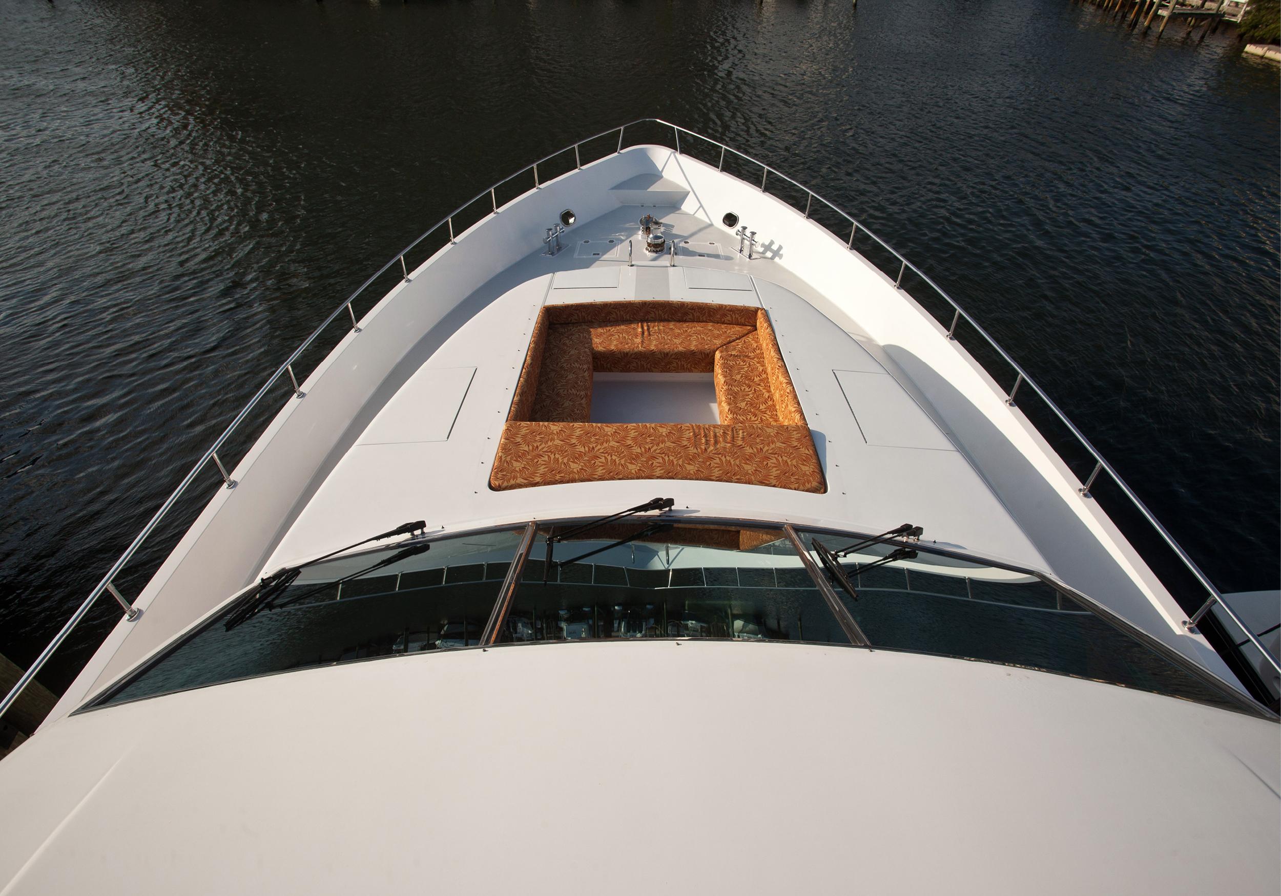 Karen-Lynn-Interior-Design-Yacht-Marbella-18.jpg