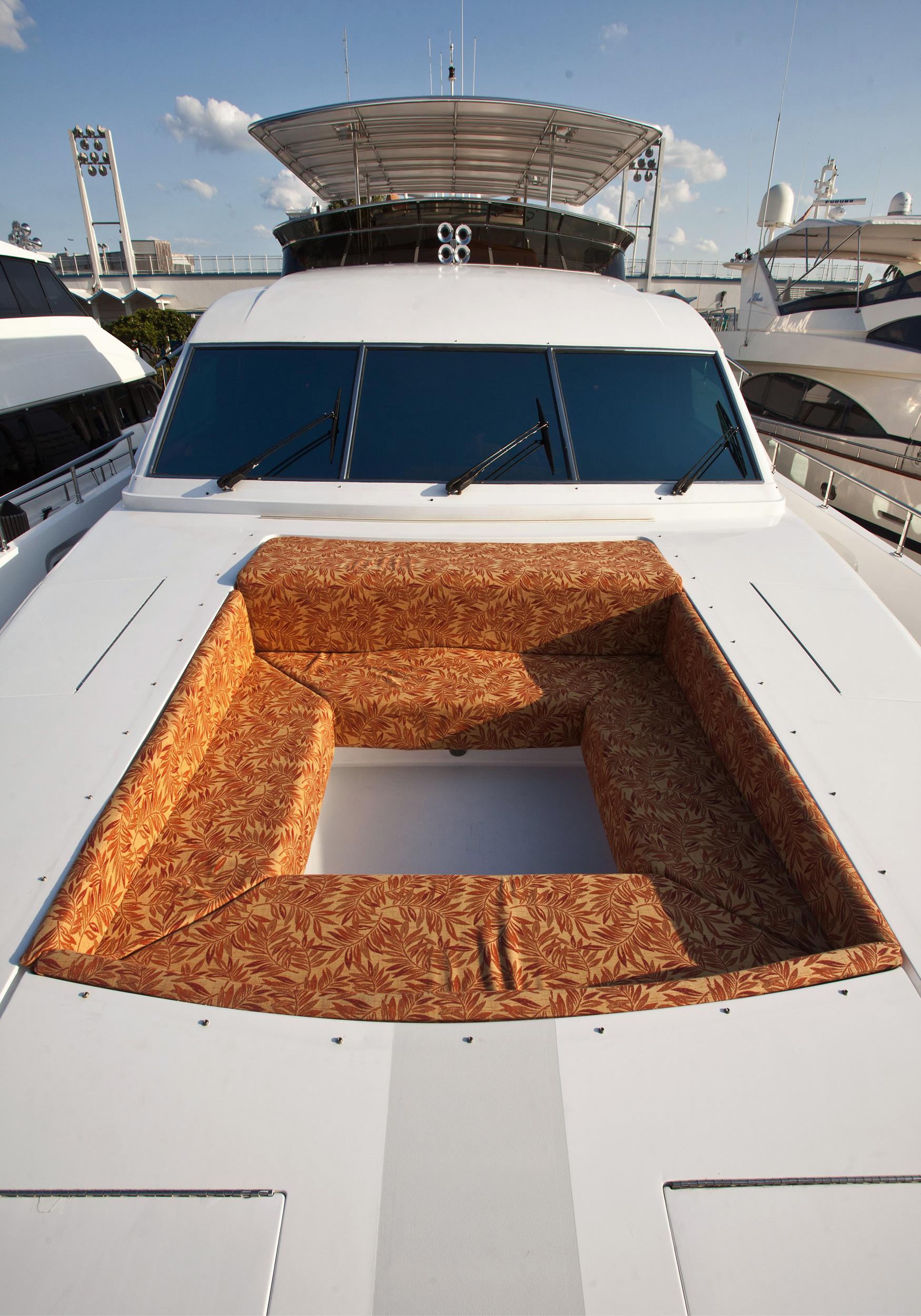 Karen-Lynn-Interior-Design-Yacht-Marbella-19.jpg