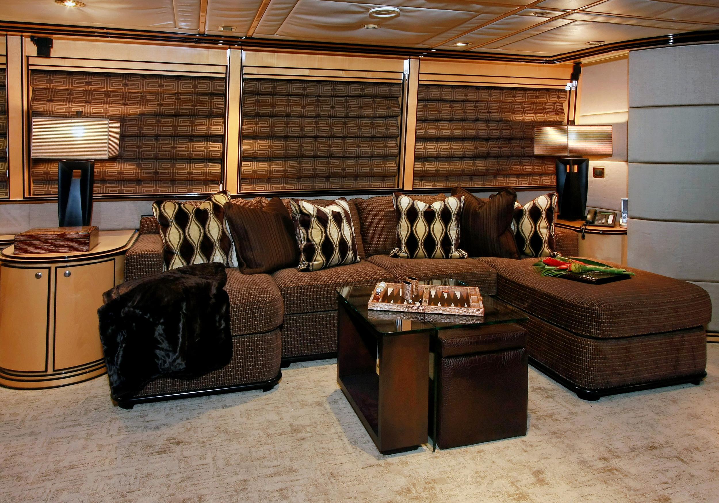 Karen-Lynn-Interior-Design-Yacht-Impulsive-7.jpg