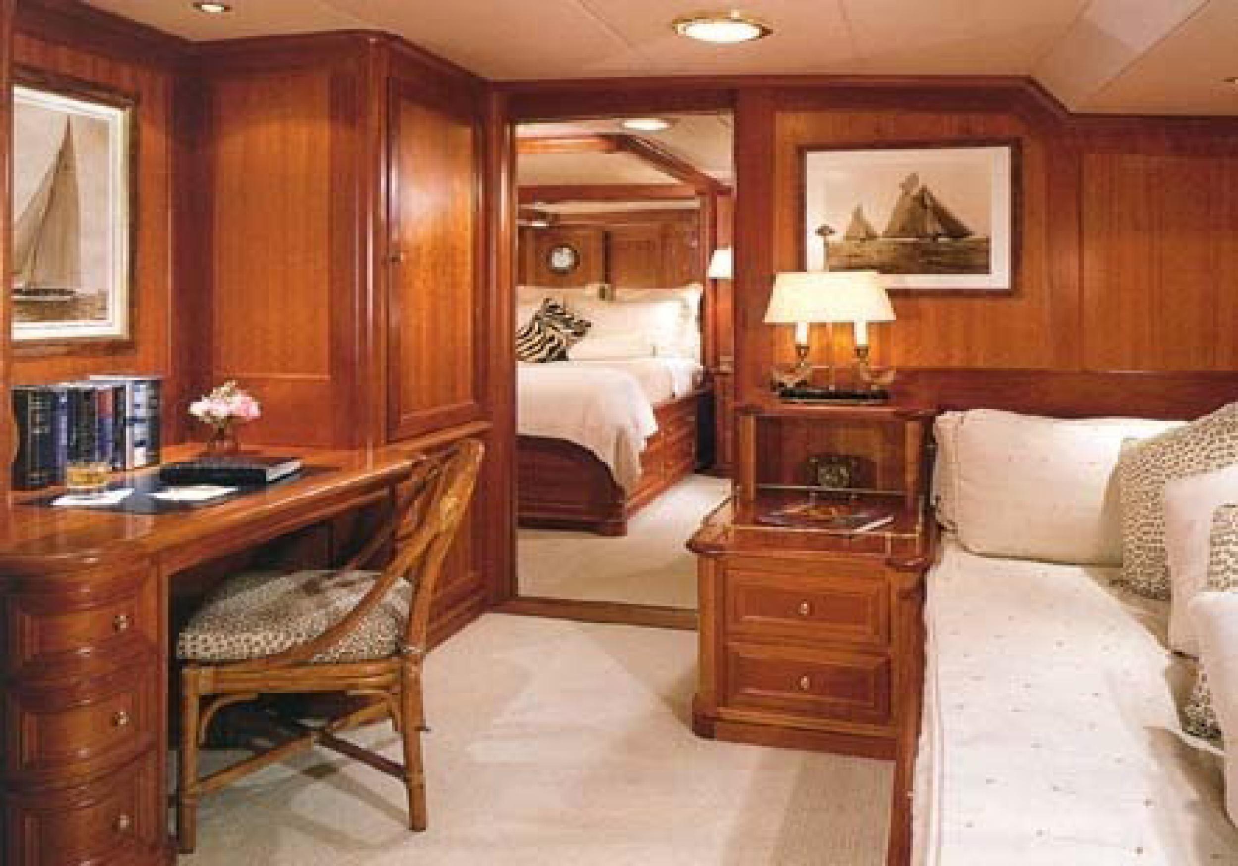 Karen-Lynn-Interior-Design-Yacht-Kaori-36.jpg
