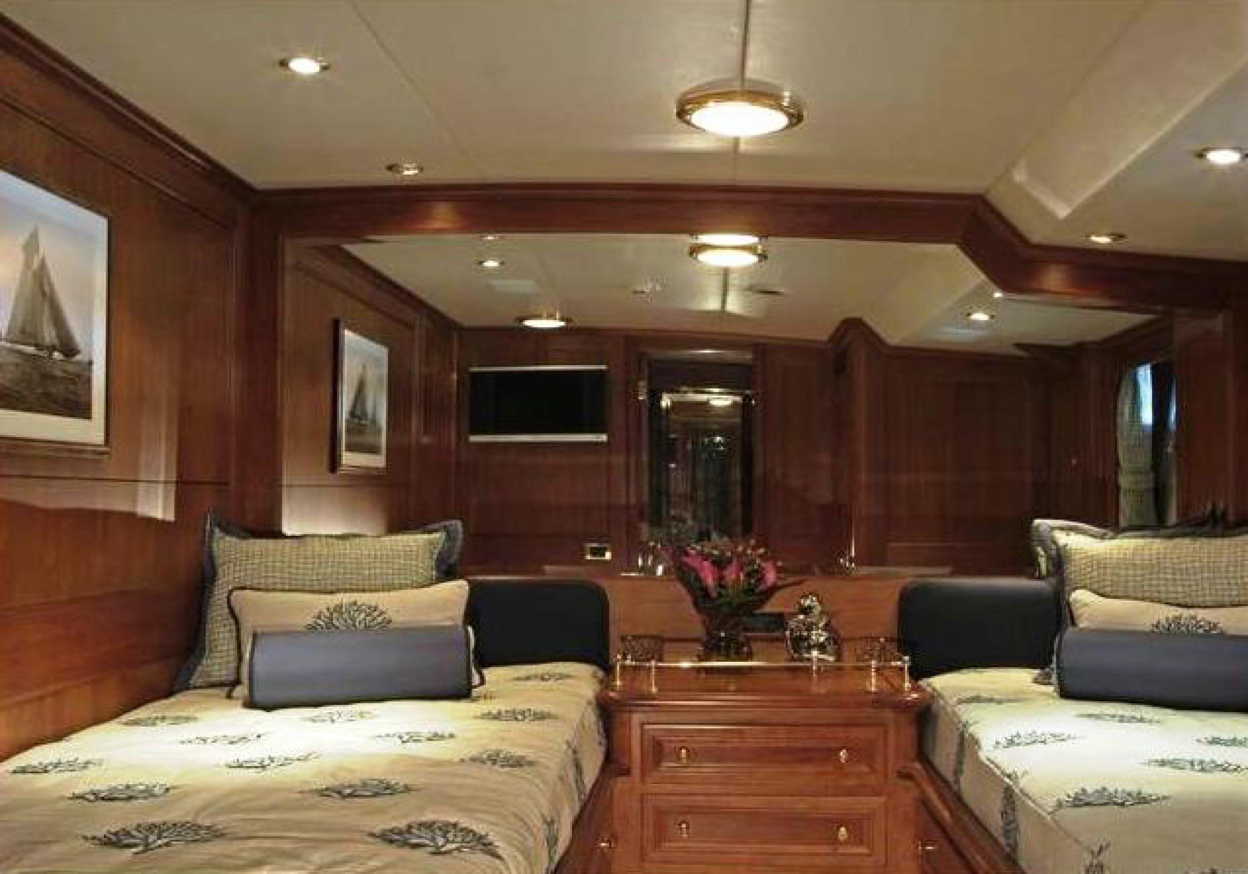 Karen-Lynn-Interior-Design-Yacht-Kaori-41.jpg