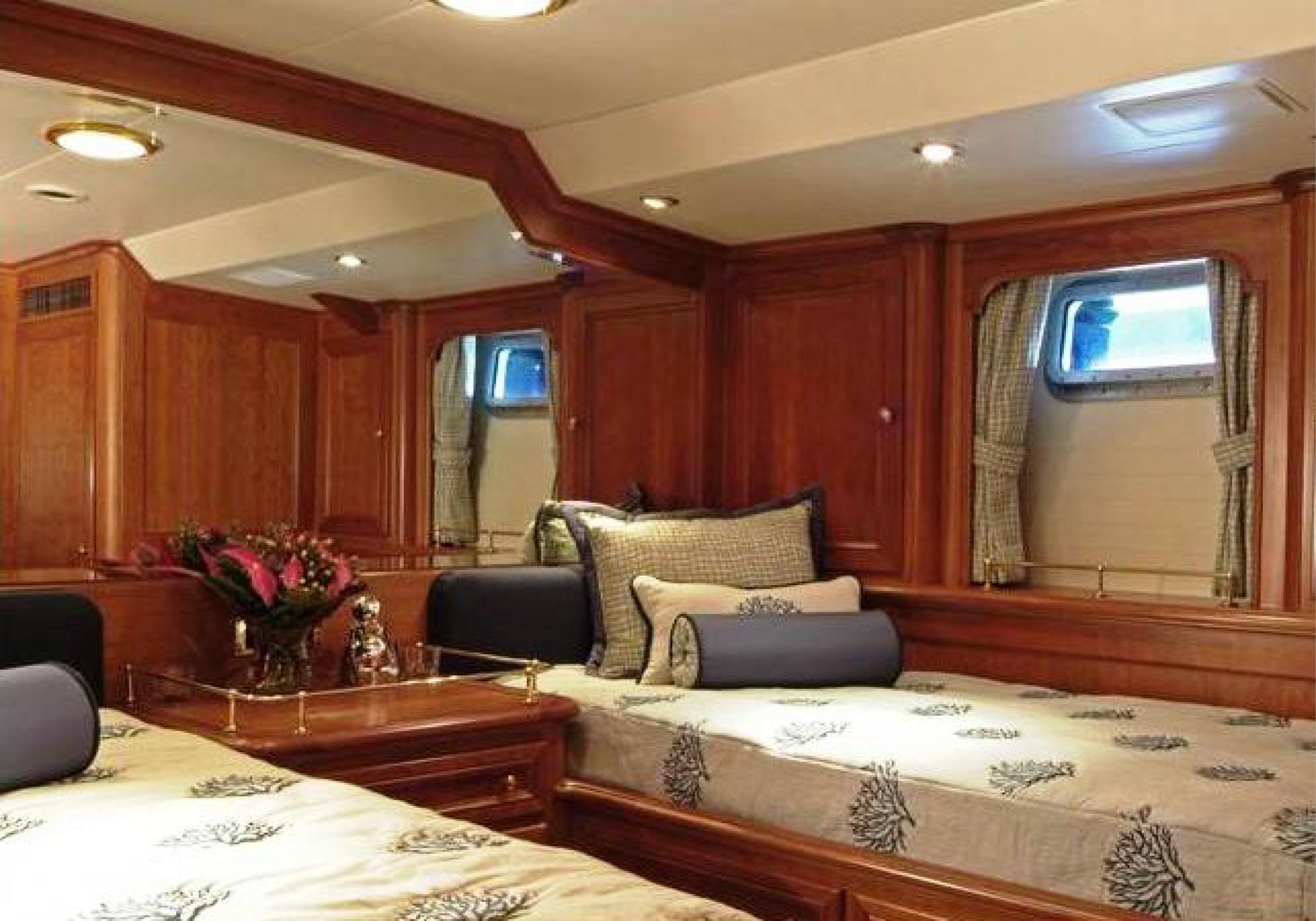 Karen-Lynn-Interior-Design-Yacht-Kaori-42.jpg
