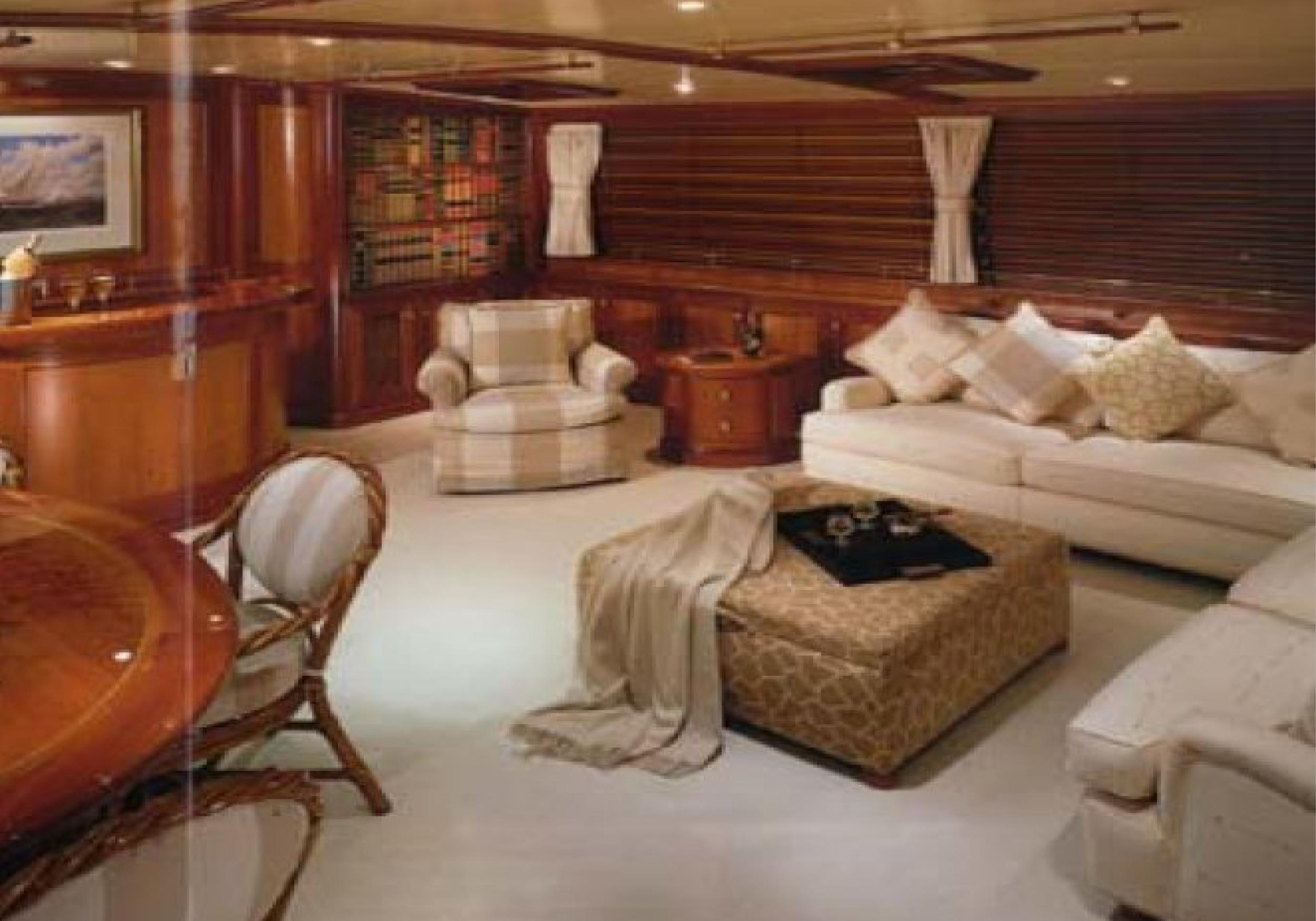 Karen-Lynn-Interior-Design-Yacht-Kaori-43.jpg