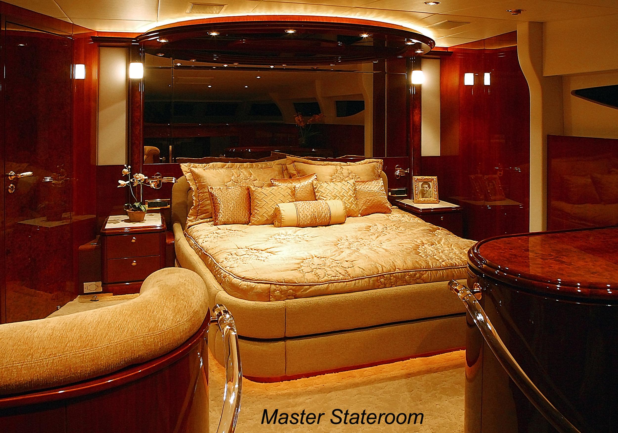 Karen-Lynn-Interior-Design-Yacht-Shalimar-10.jpg