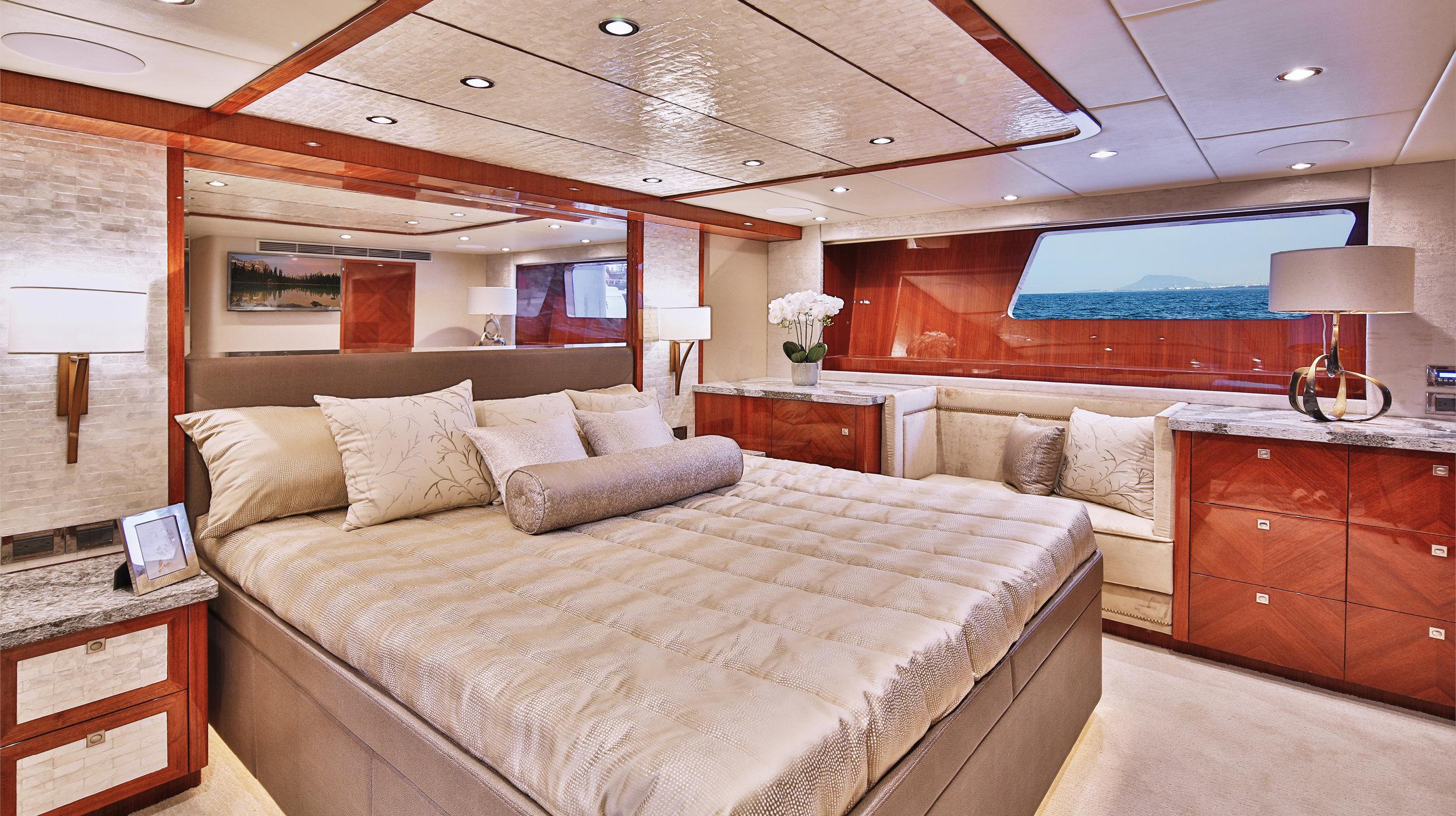Karen-Lynn-Interior-Design-Yacht-Custom80-12.jpg