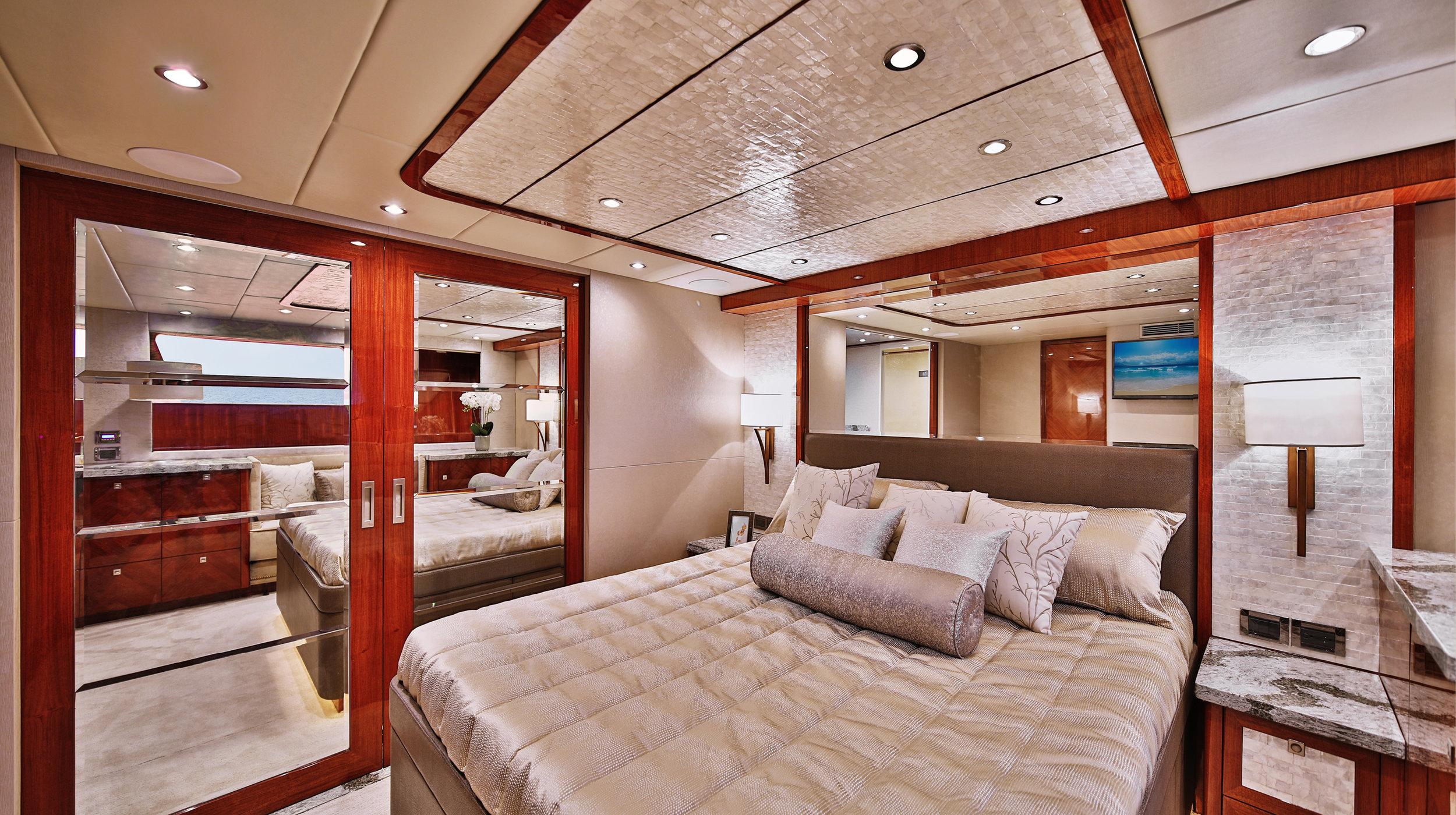 Karen-Lynn-Interior-Design-Yacht-Custom80-14.jpg
