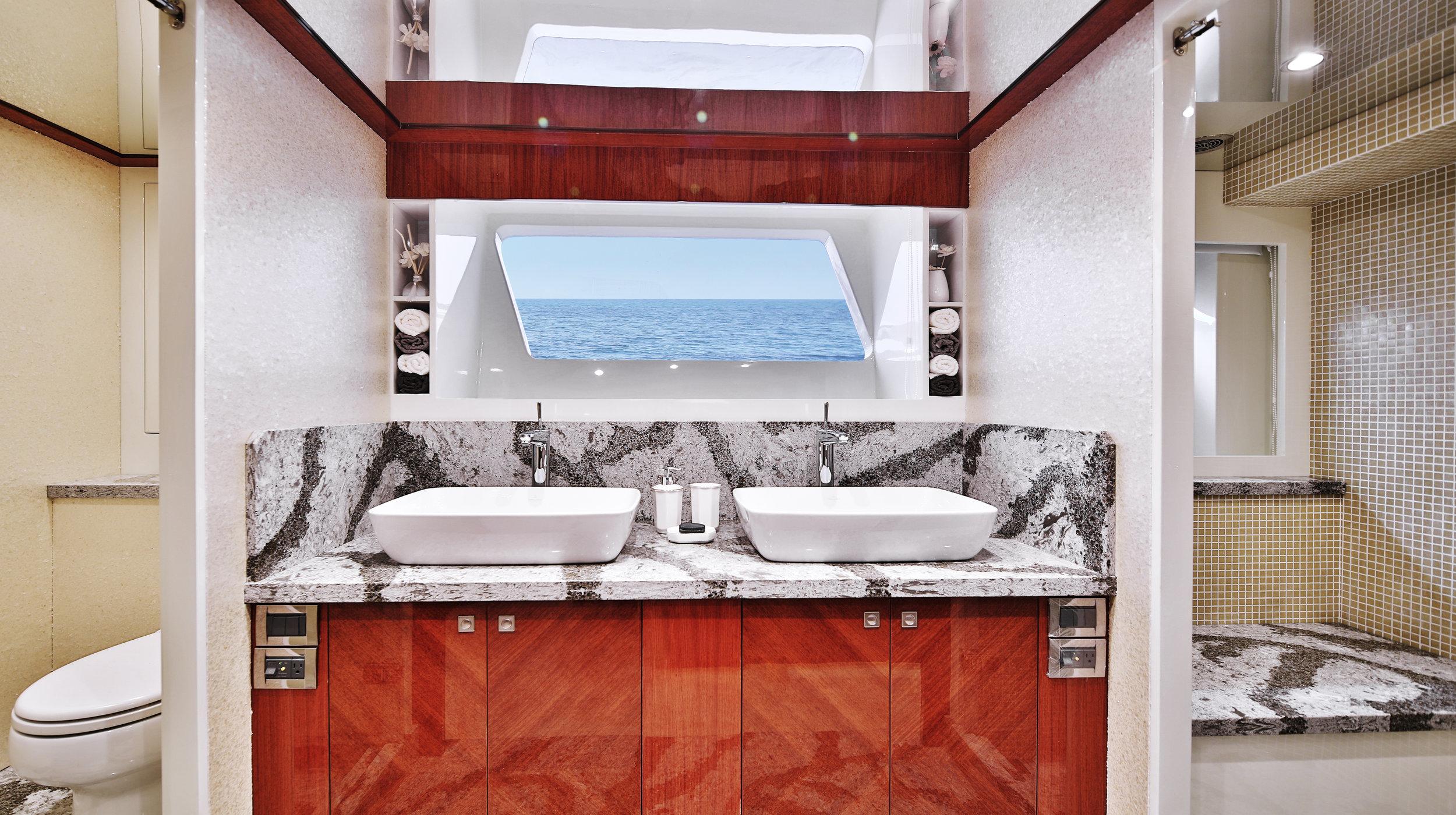 Karen-Lynn-Interior-Design-Yacht-Custom80-15.jpg
