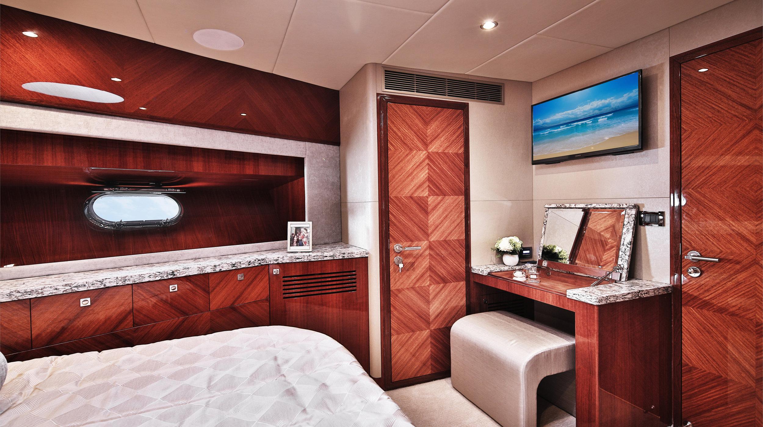Karen-Lynn-Interior-Design-Yacht-Custom80-17.jpg