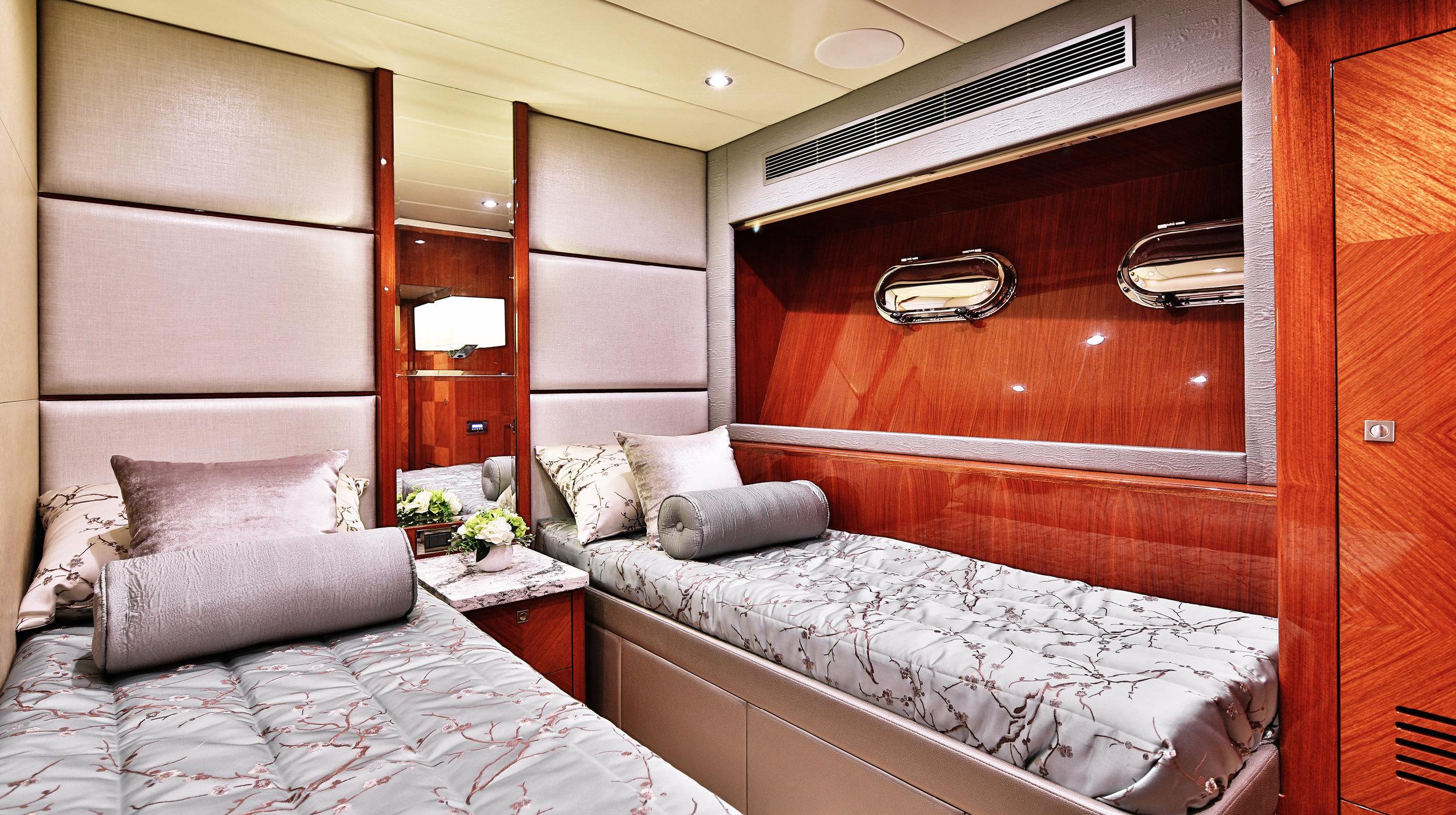 Karen-Lynn-Interior-Design-Yacht-Custom80-20.jpg