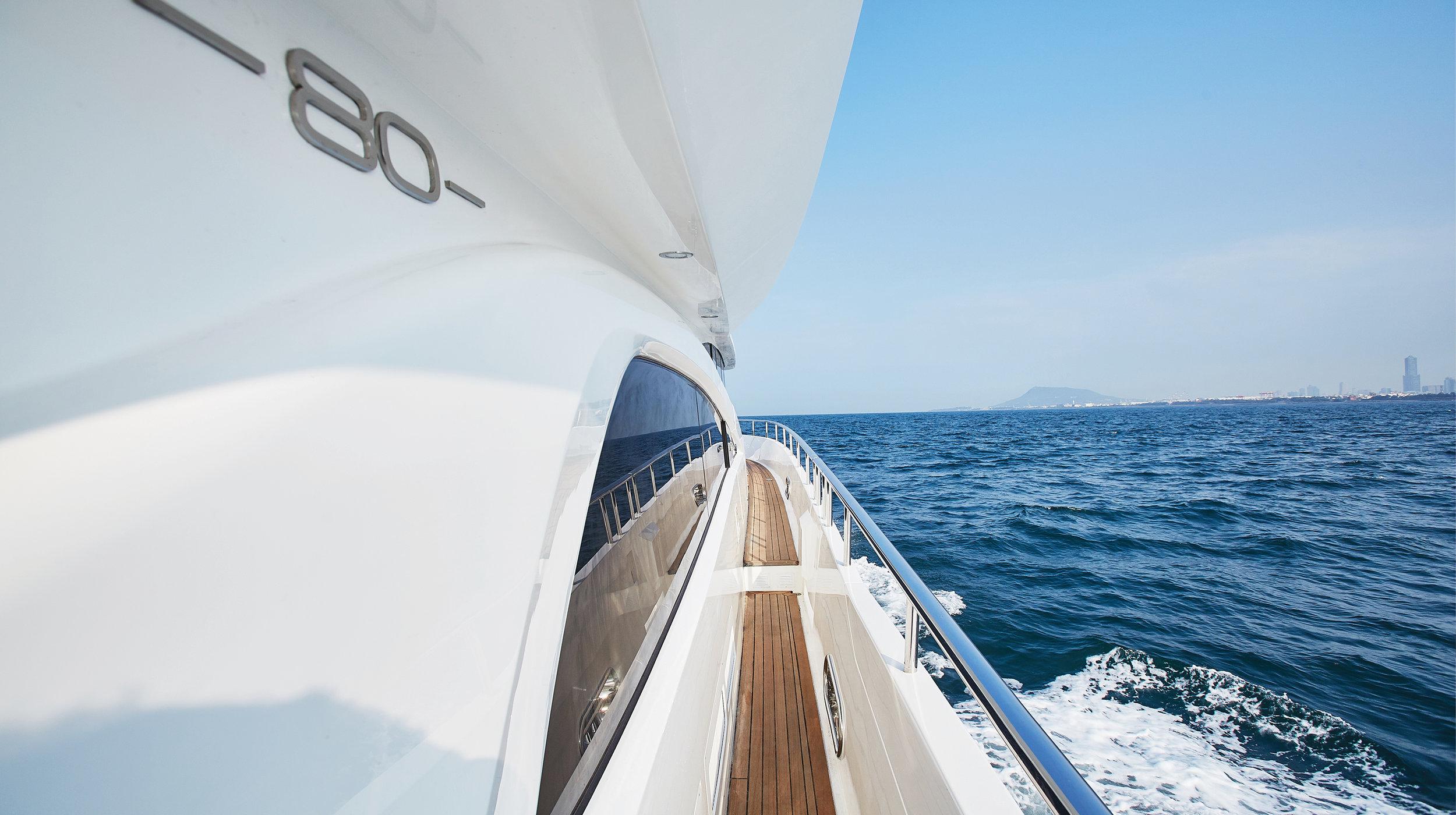 Karen-Lynn-Interior-Design-Yacht-Custom80-22.jpg