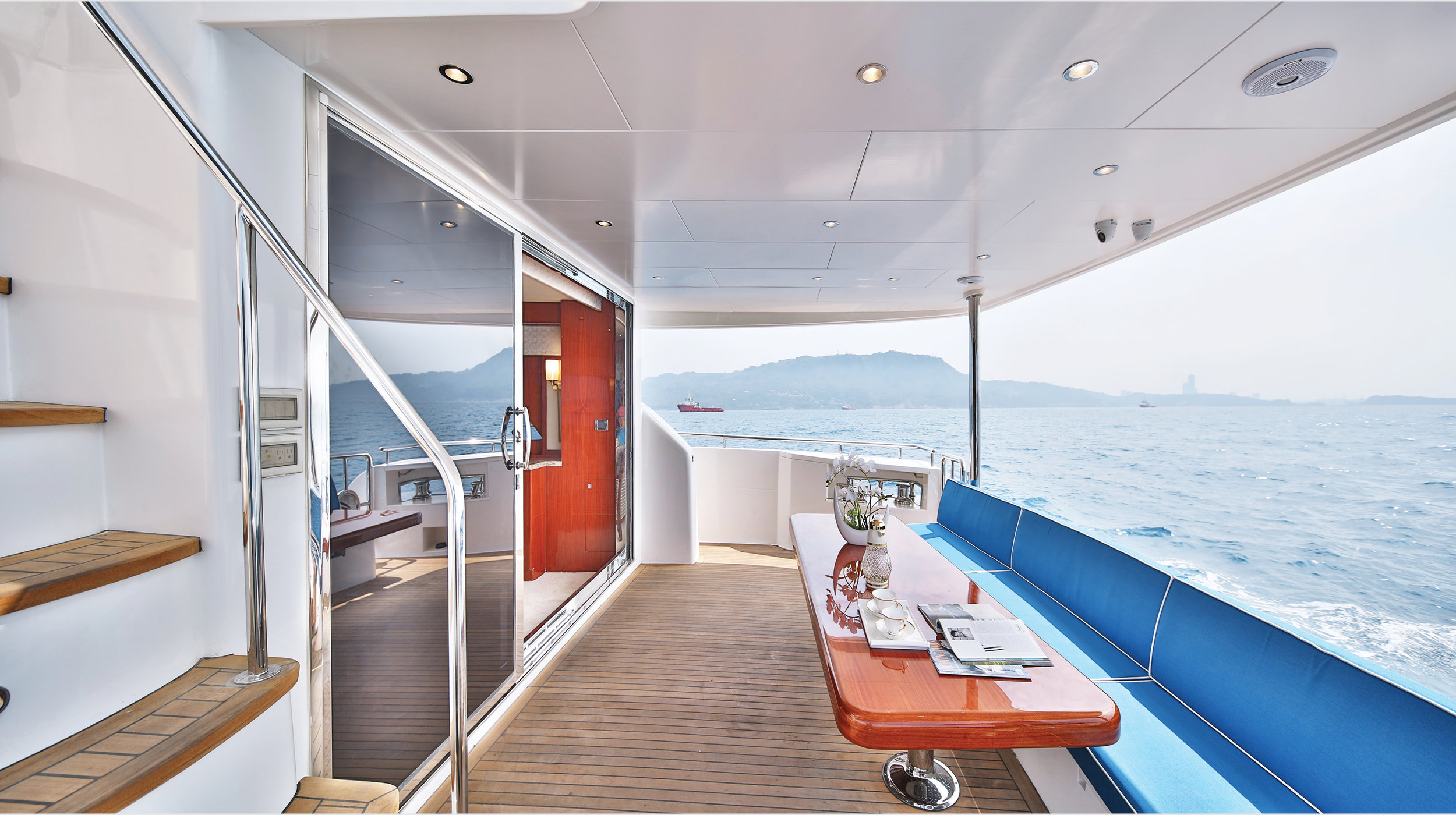 Karen-Lynn-Interior-Design-Yacht-Custom80-25.jpg