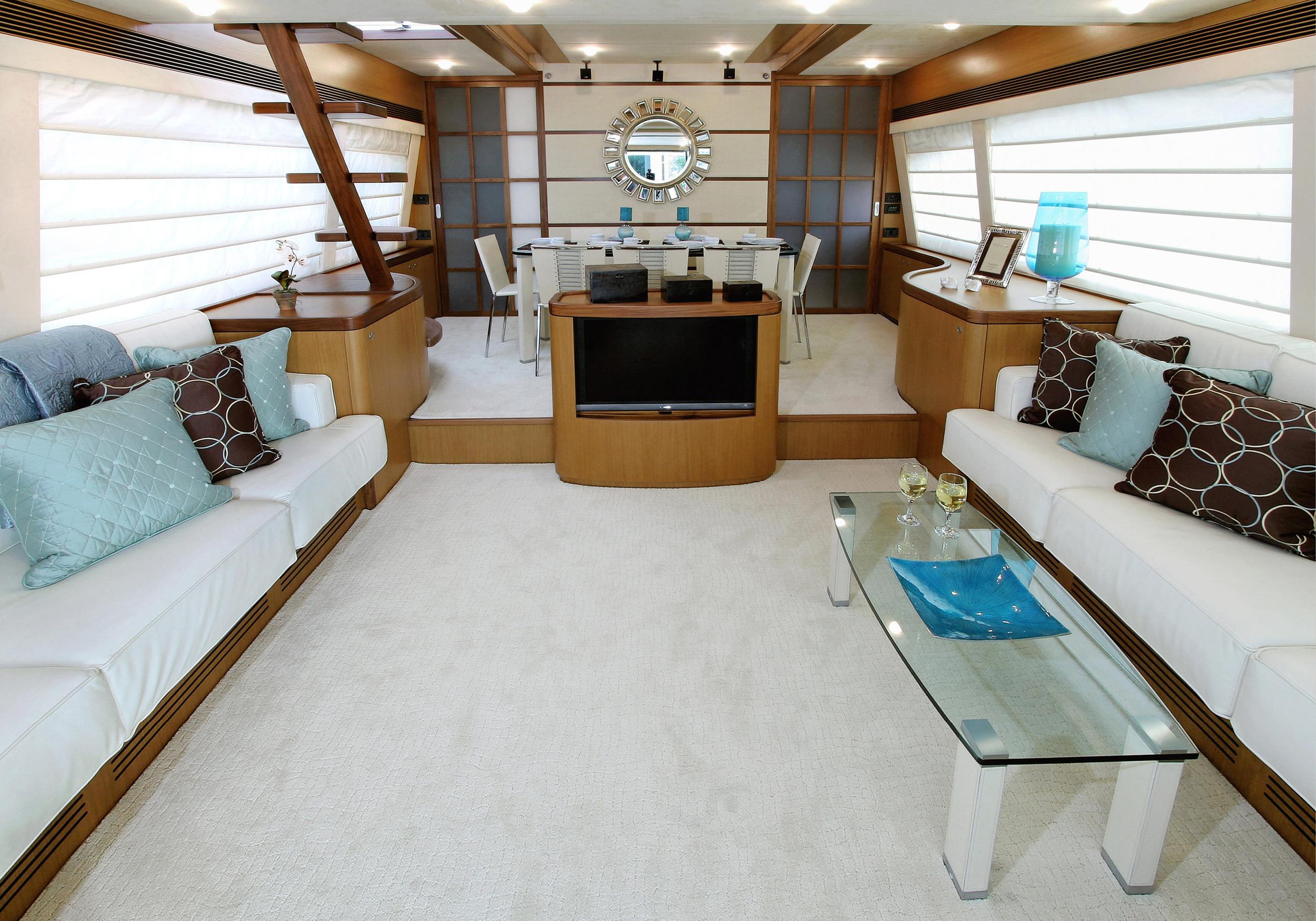 Karen-Lynn-Interior-Design-Yacht-MarineMax-Ferretti73-2.jpg