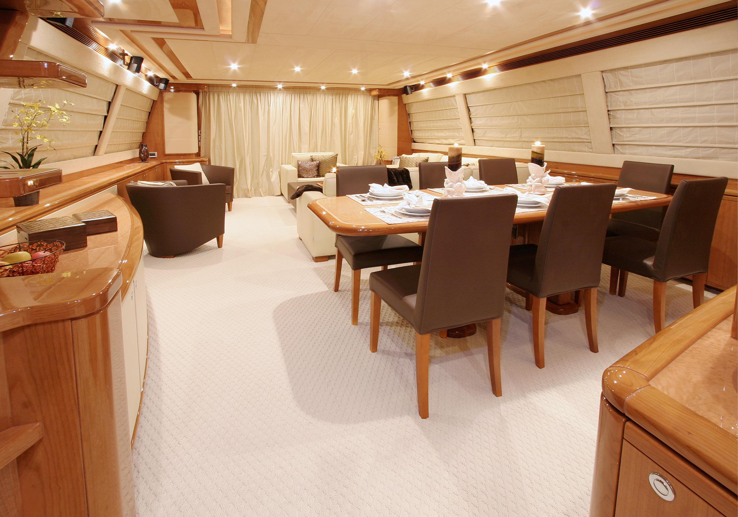 Karen-Lynn-Interior-Design-Yacht-MarineMax-Ferretti83-2.jpg