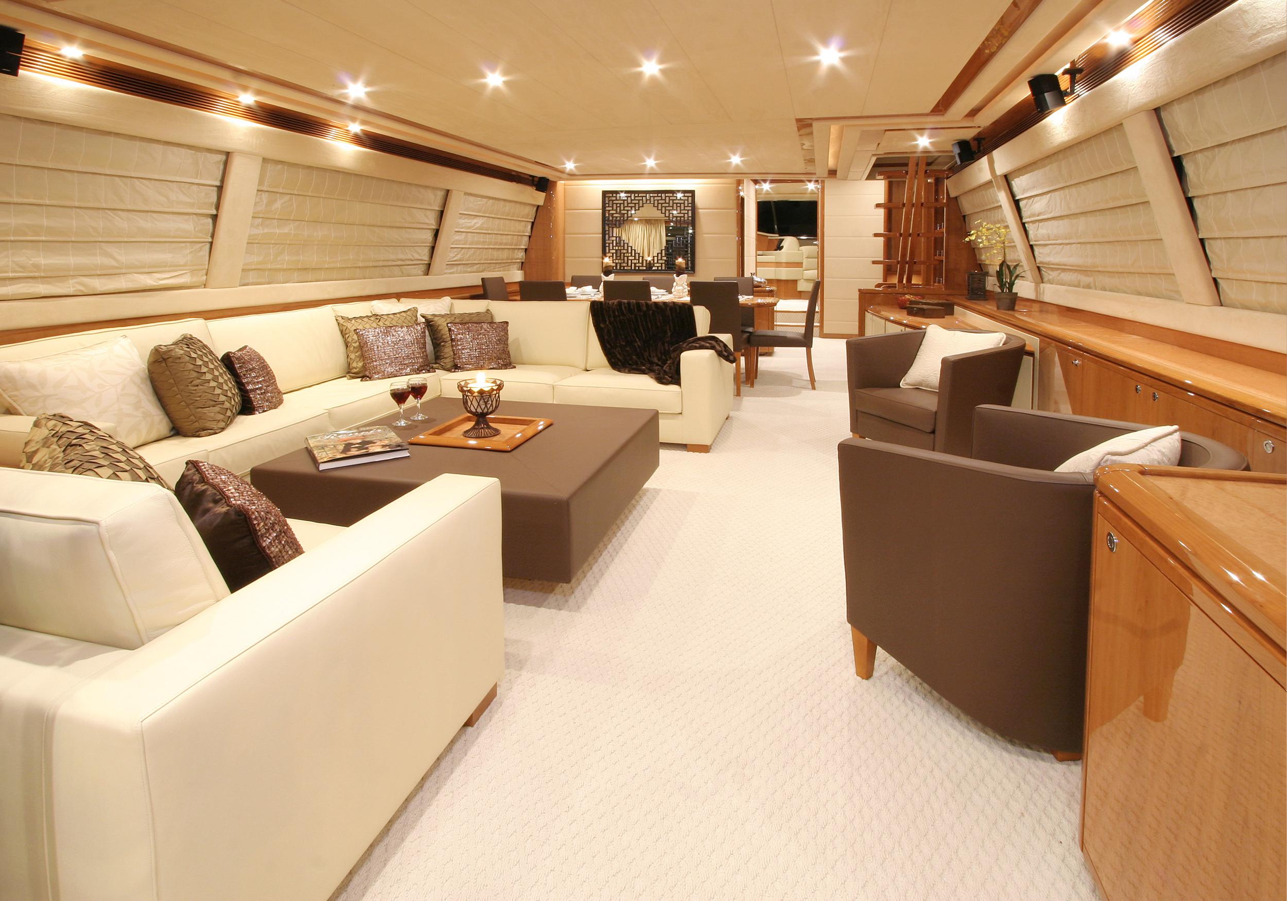 Karen-Lynn-Interior-Design-Yacht-MarineMax-Ferretti83-3.jpg