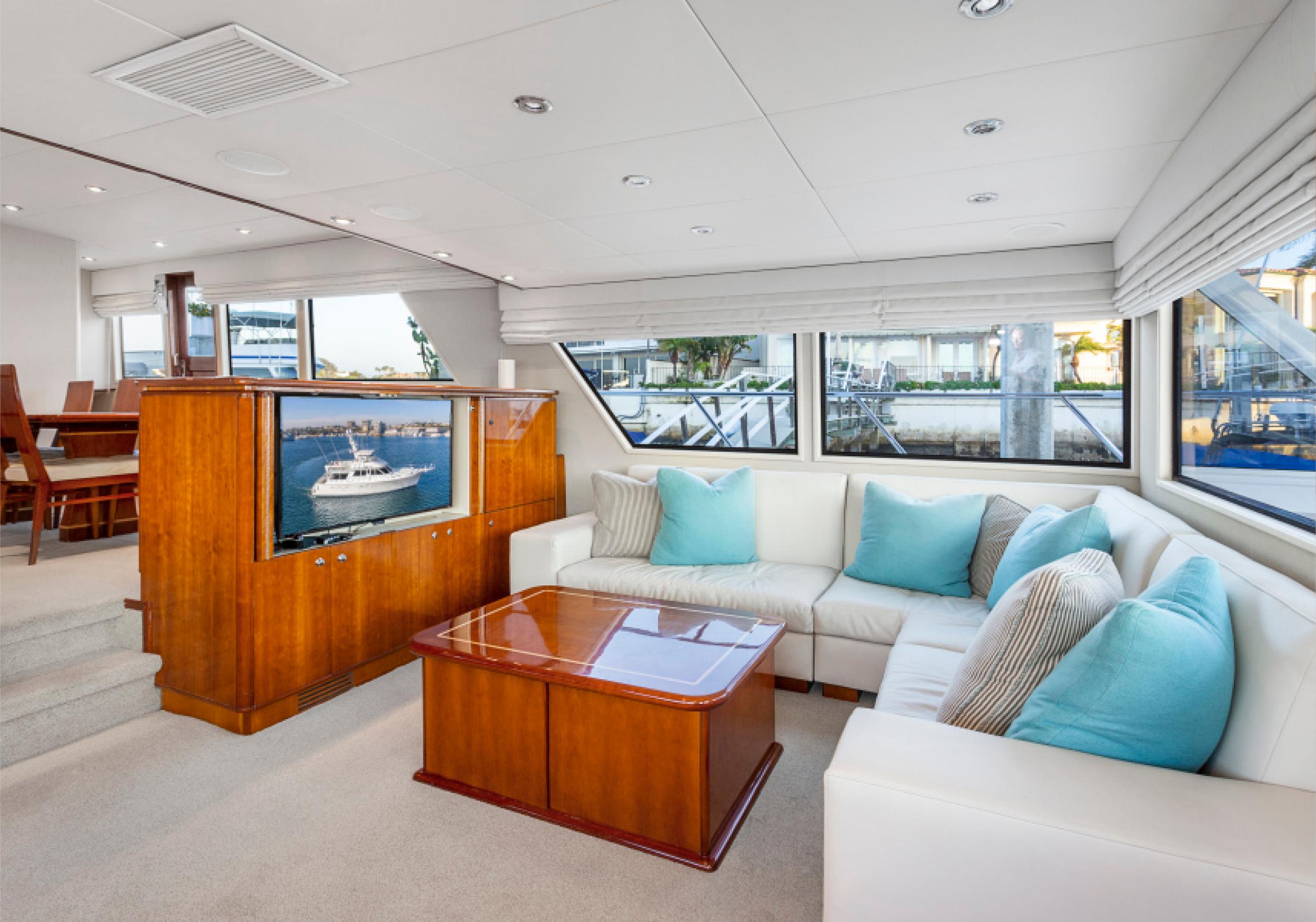 Karen-Lynn-Interior-Design-Yacht-El-Encanto-3.jpg