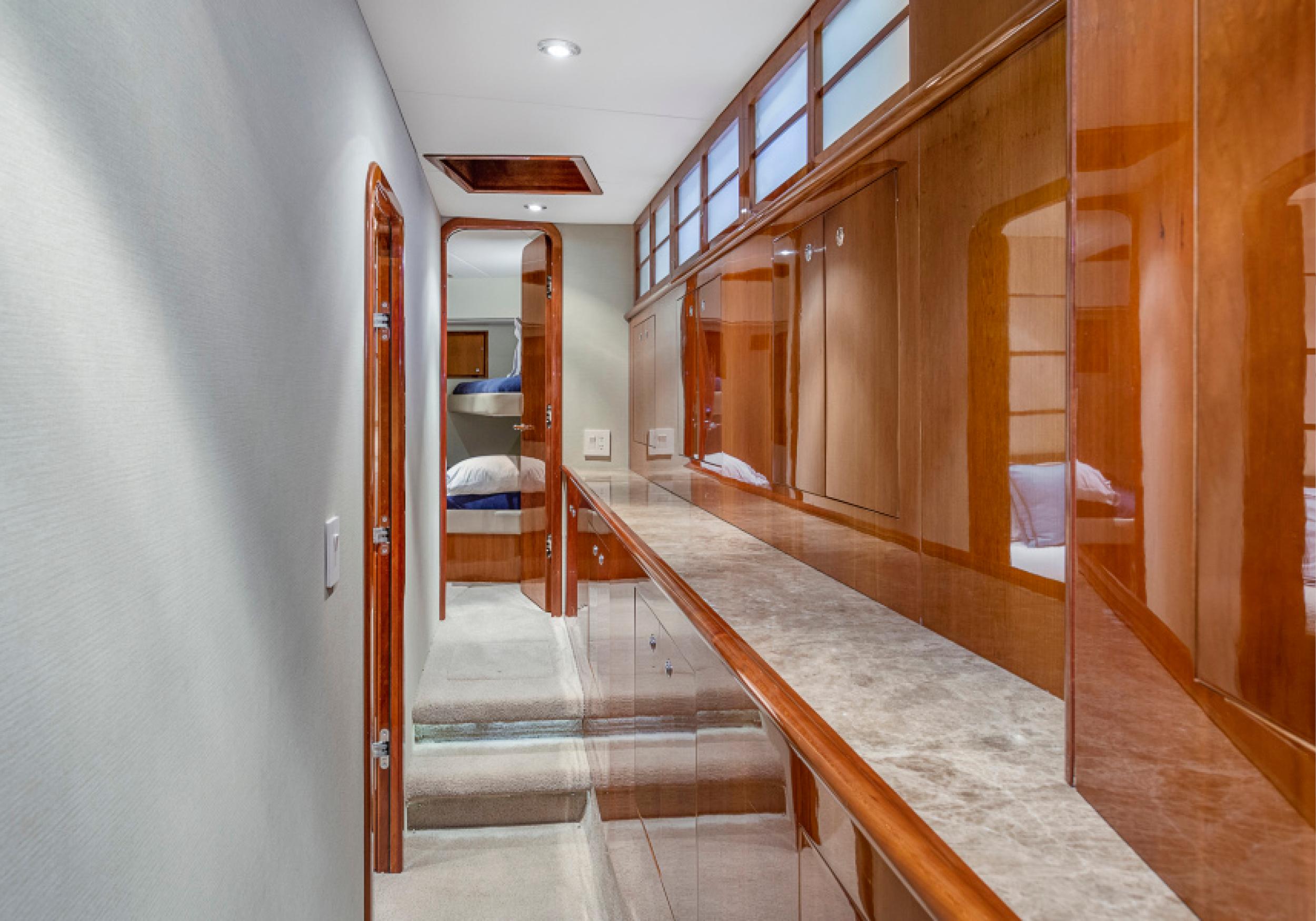 Karen-Lynn-Interior-Design-Yacht-El-Encanto-9.jpg