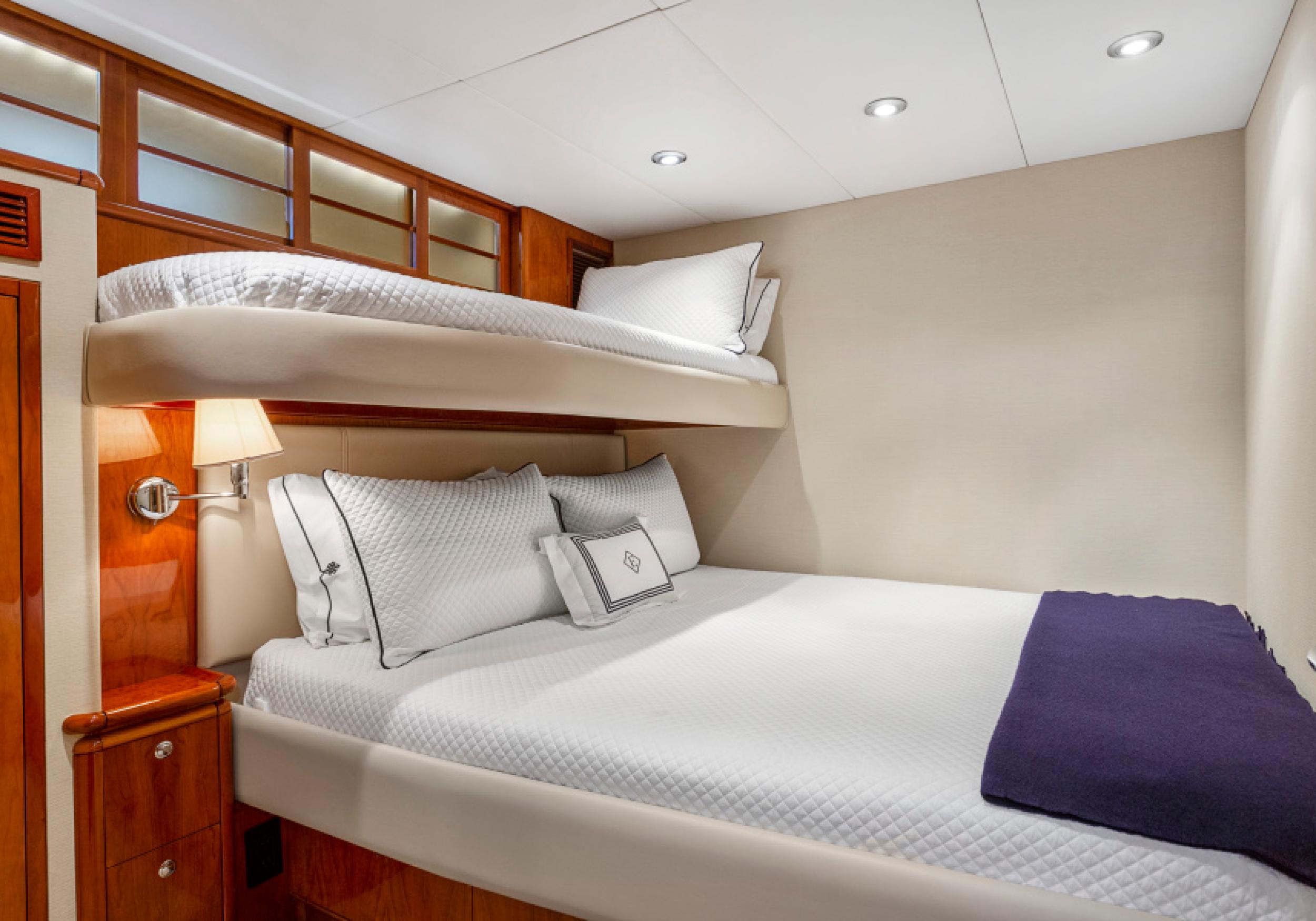 Karen-Lynn-Interior-Design-Yacht-El-Encanto-11.jpg