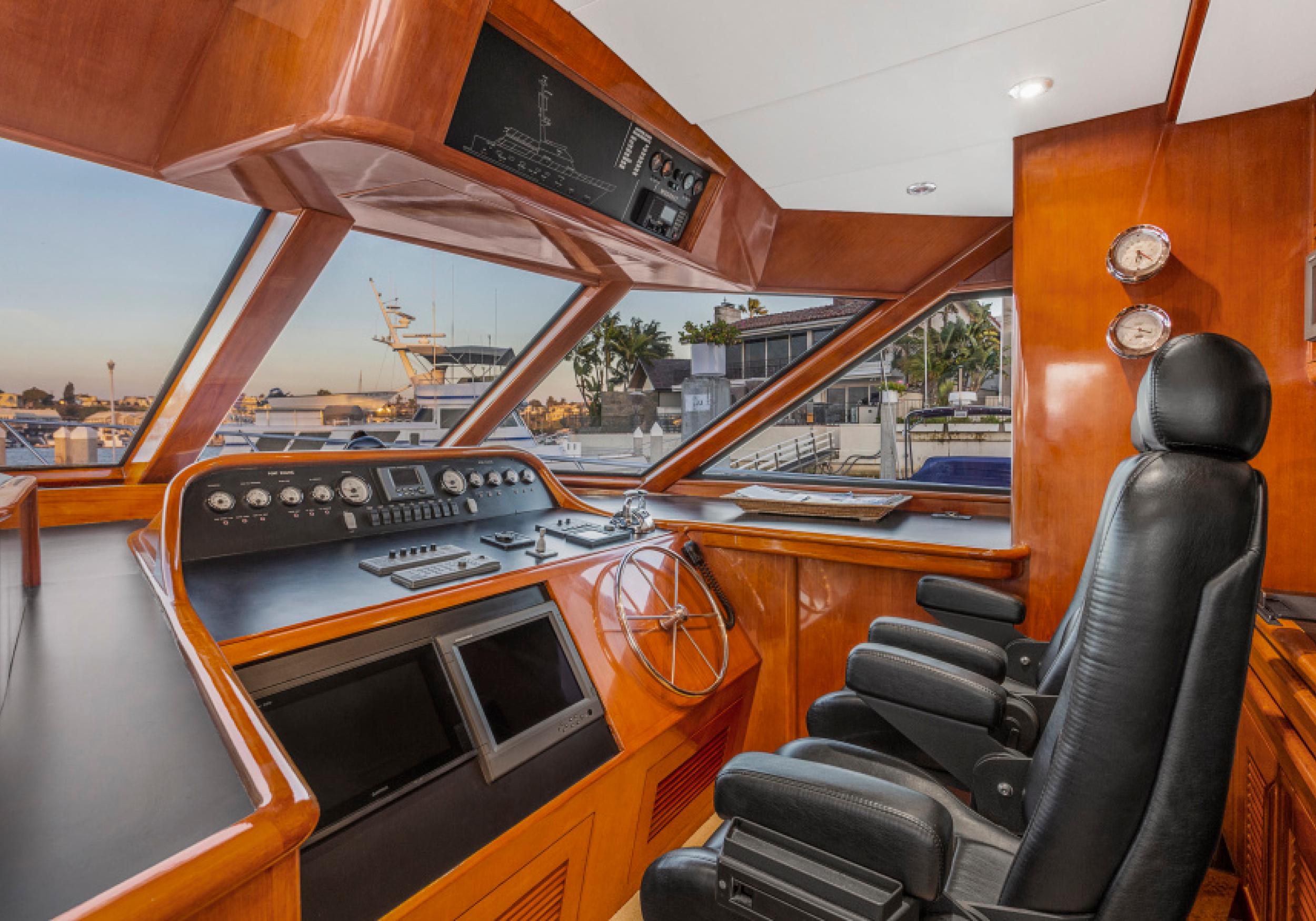 Karen-Lynn-Interior-Design-Yacht-El-Encanto-16.jpg