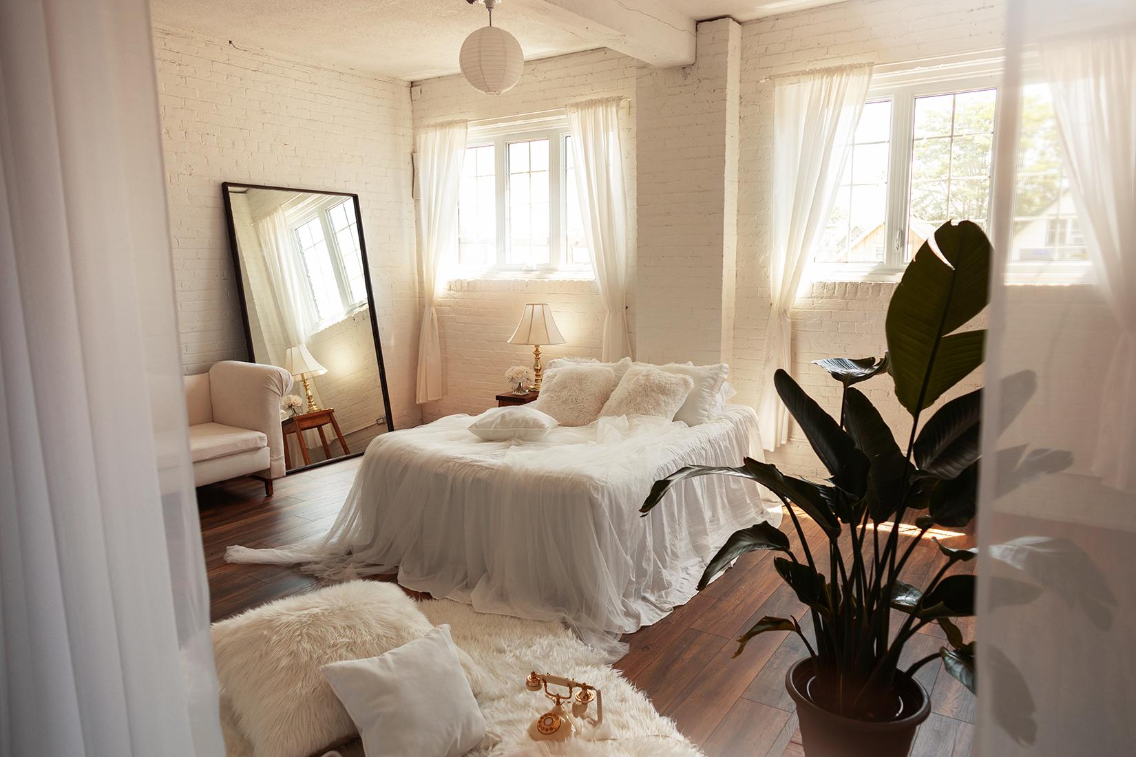 the-lunar-loft-boudoir-photography studio-hamilton-toronto-rustic (2).jpg