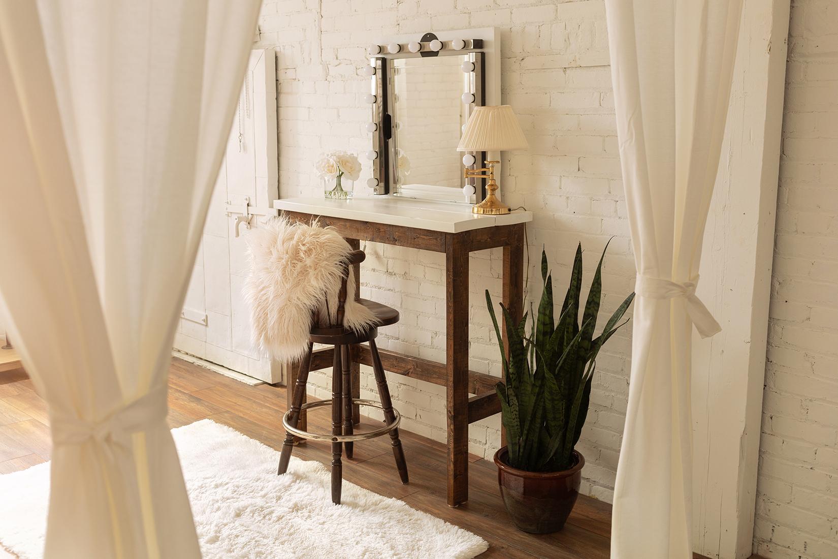the-lunar-loft-boudoir-photography studio-hamilton-toronto-rustic (3).jpg