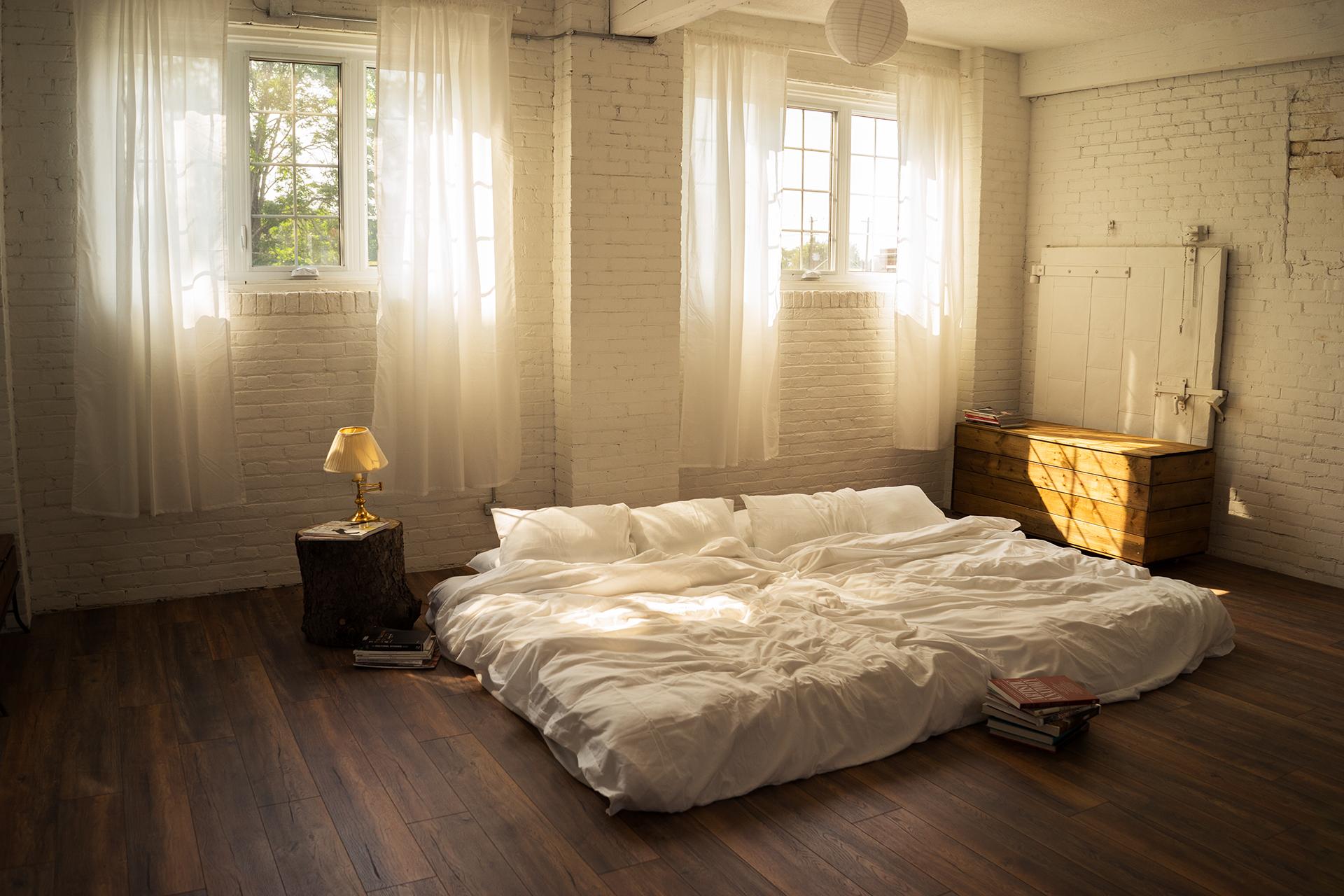 hamilton-photo-studio-the-lunar-loft-boudoir-studio-lifestyle-toronto-niagara+(6).jpg