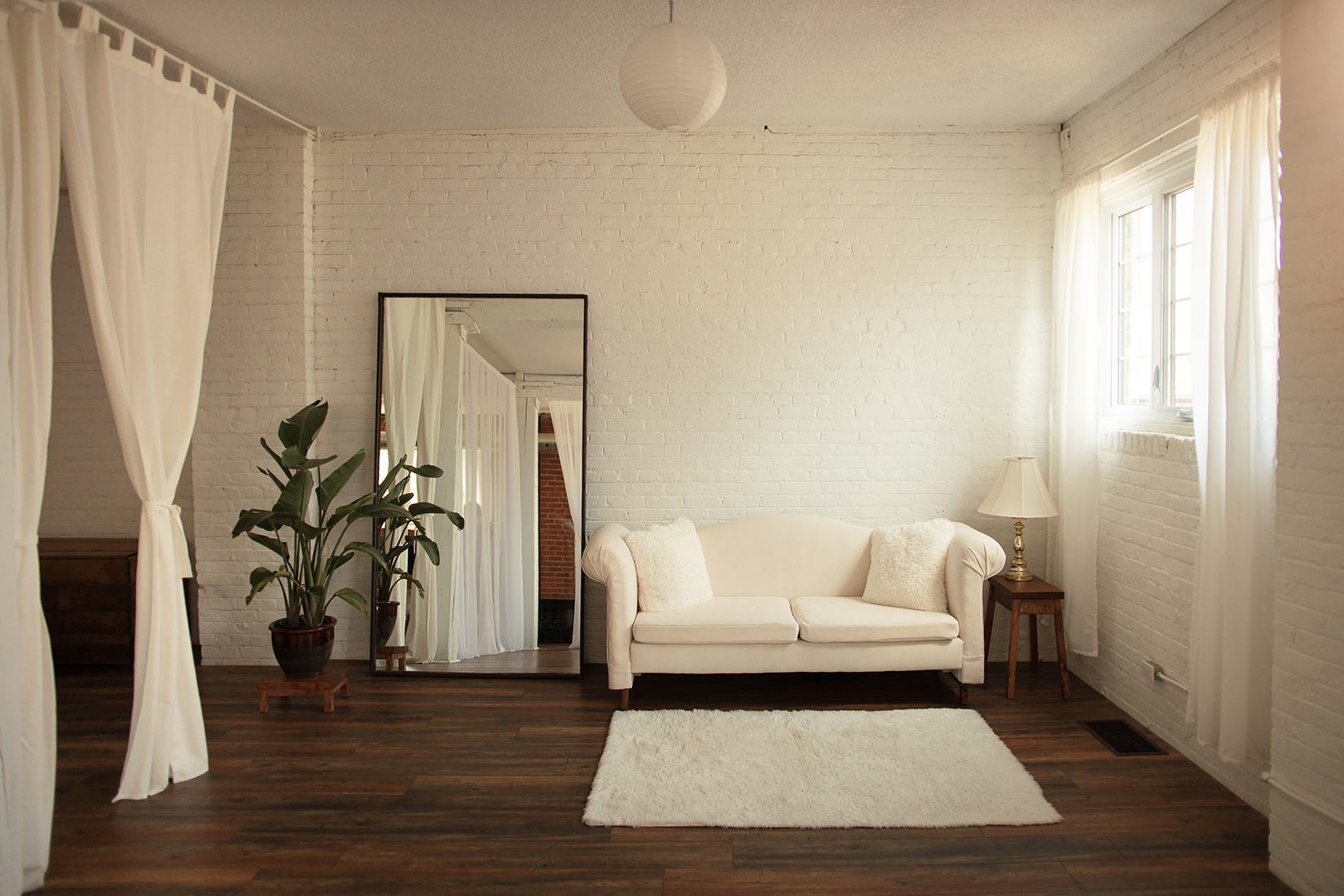 the-lunar-loft-hamilton-photo-studio-toronto-brand-photographer-lifestyle (2).jpg