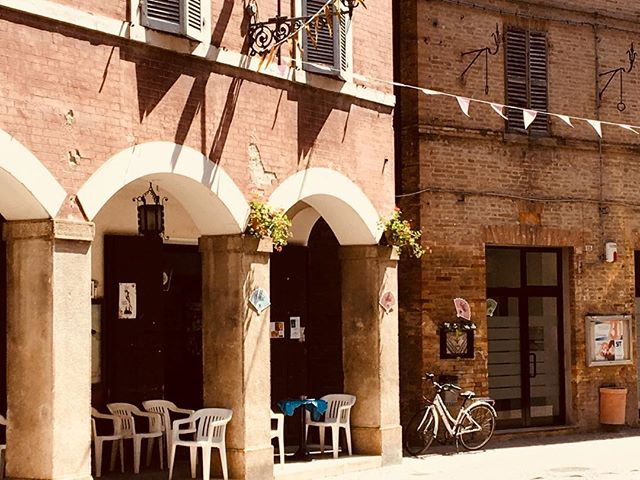 Summer days mean its time to snag some shade! Preferably under beautiful arches in a quaint Italian town. With gelato. #italianatours . . #italytravel #travel #wishyouwerehere #italianatours #italy #loves_italia #italygram #italytravel #italy_photolovers #awesomedreamplaces #living_europe #wonderfuldestinations #bbctravel #traveladdicted #travelingthroughtheworld #bestvacation #europe_vacations #wanderlust #italianadventure #italy_vacations #italy_hidden_gems
