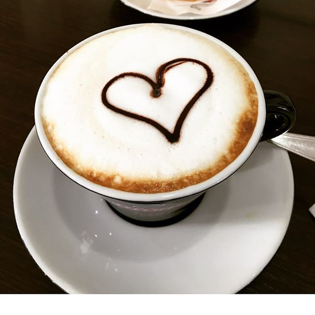 Good morning! The weather is cooling off, and our fall tours are ramping up! Come join us for a perfect foamy cappuccino to start your day off right! . www.italianatours.com . #travelitaly #travel #wishyouwerehere #italianatours #italy #loves_italia #italygram #italytravel #italy_photolovers #awesomedreamplaces #living_europe #wonderfuldestinations #bbctravel #traveladdicted #travelingthroughtheworld #bestvacation #europe_vacations #wanderlust #italianadventure  #sommolier #winetasting #italianwinelover #foodieswanted