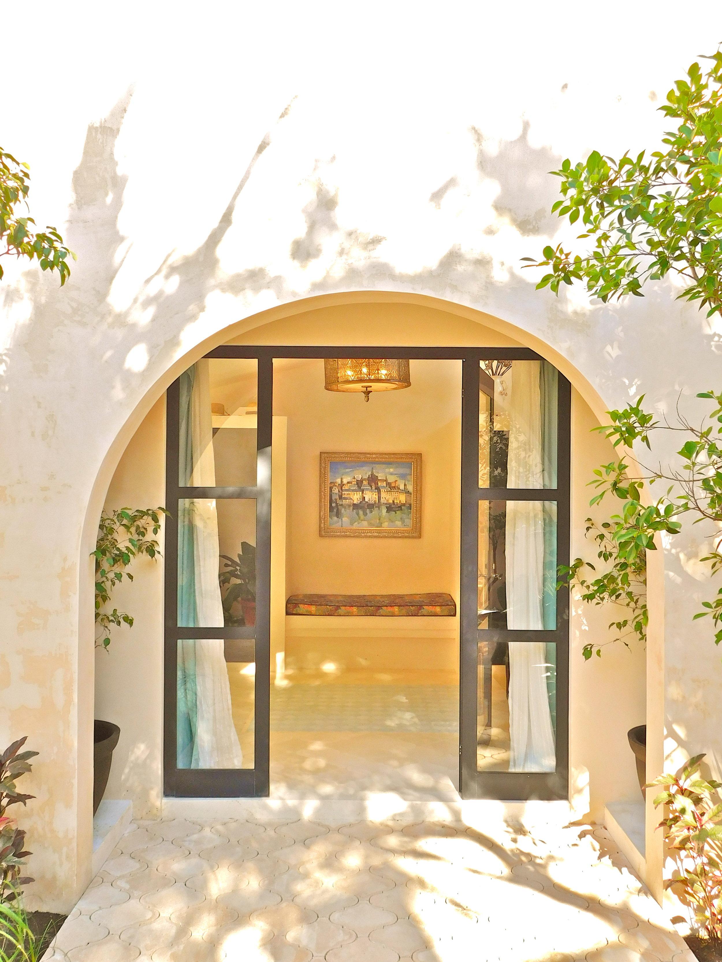 VE entry door.JPG