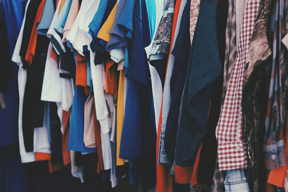 "What should I wear? - At Passion Church, we mean it when we say that we want you to ""come as you are."" Our pastors wear jeans and t-shirts, and so can you. Skip dressing up (unless you want to!), and let us welcome you just as you are."