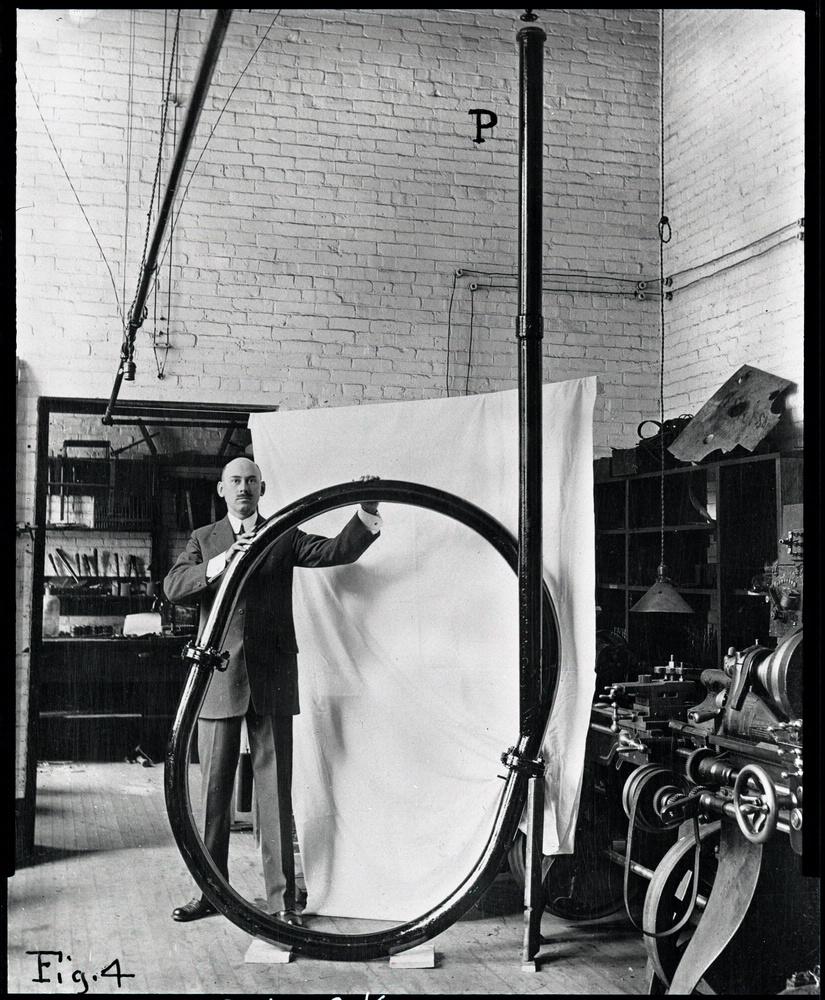 Goddard at Clark Physics lab 6475p.jpg
