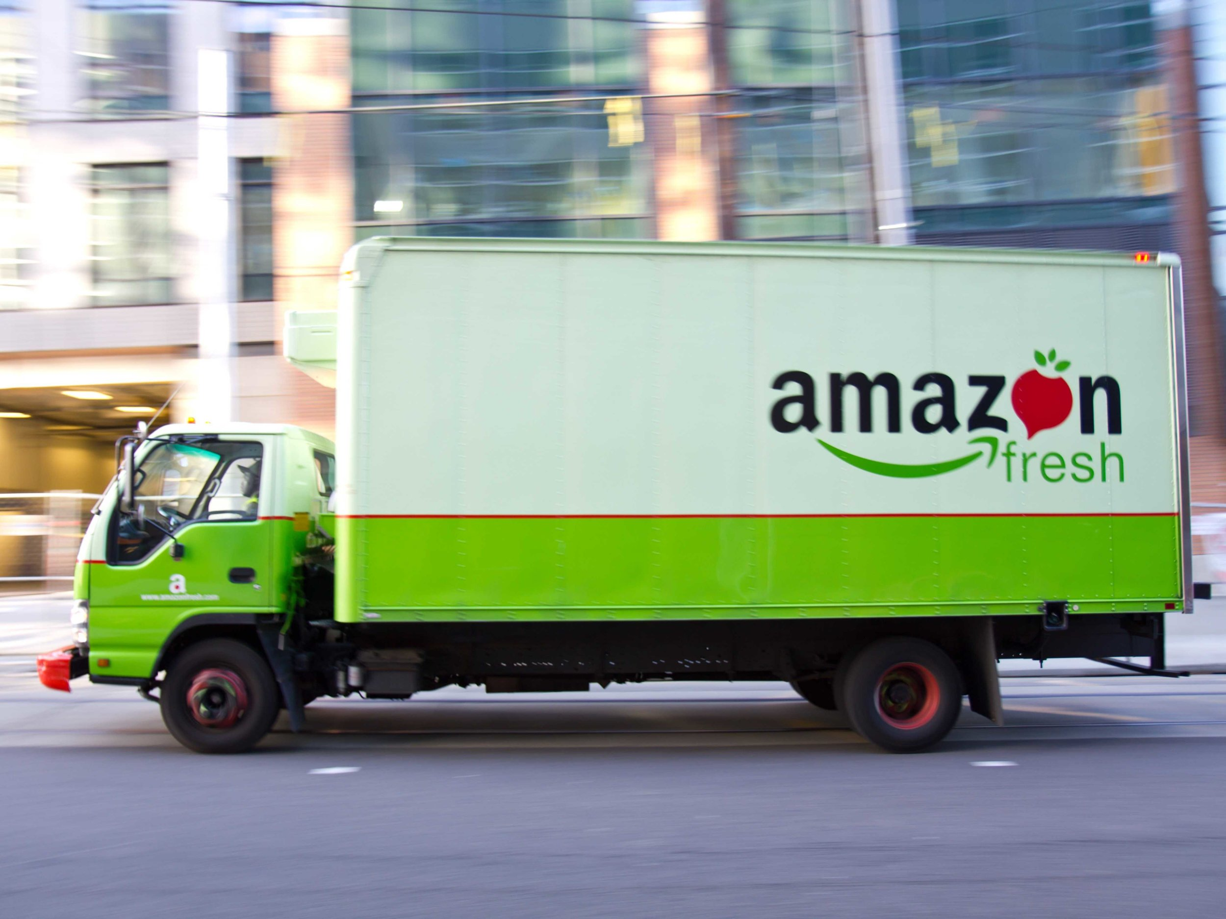 source-amazon-is-planning-its-own-private-fleet-of-delivery-trucks
