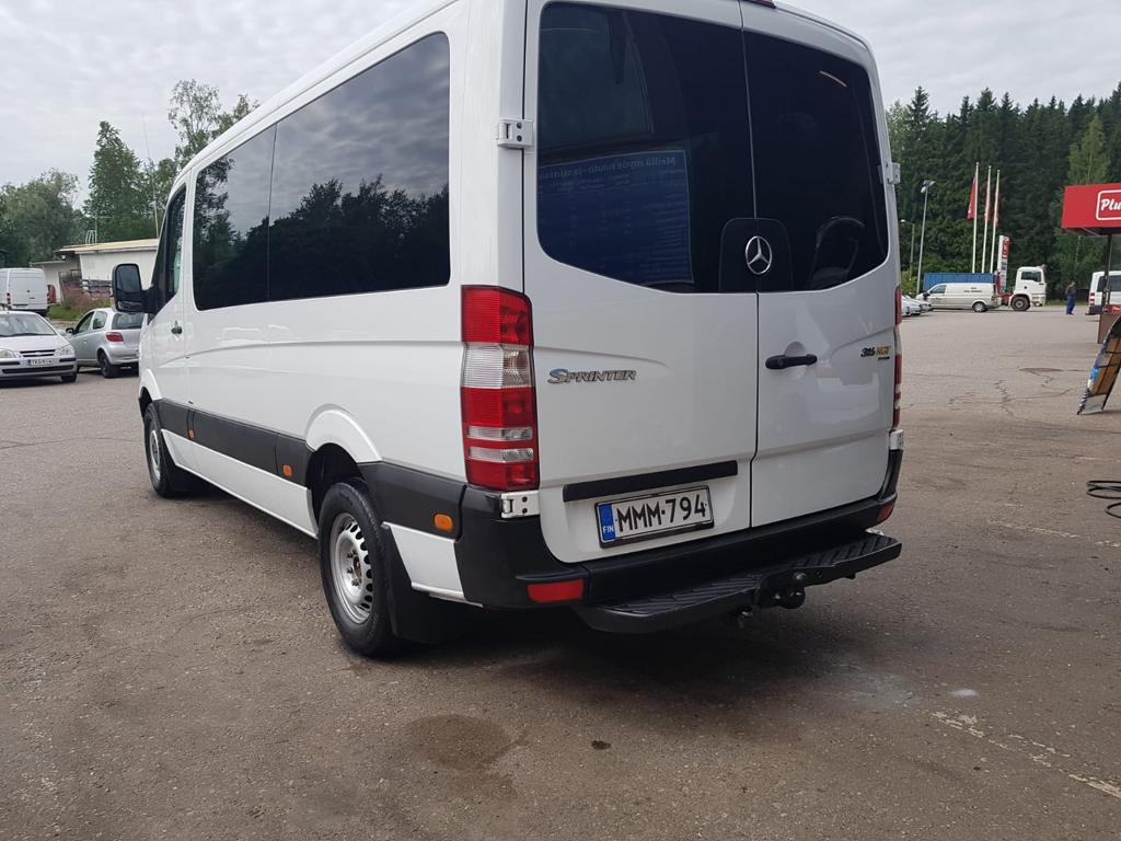 Mercedes Benz Sprinter pikkubussi-1.jpeg