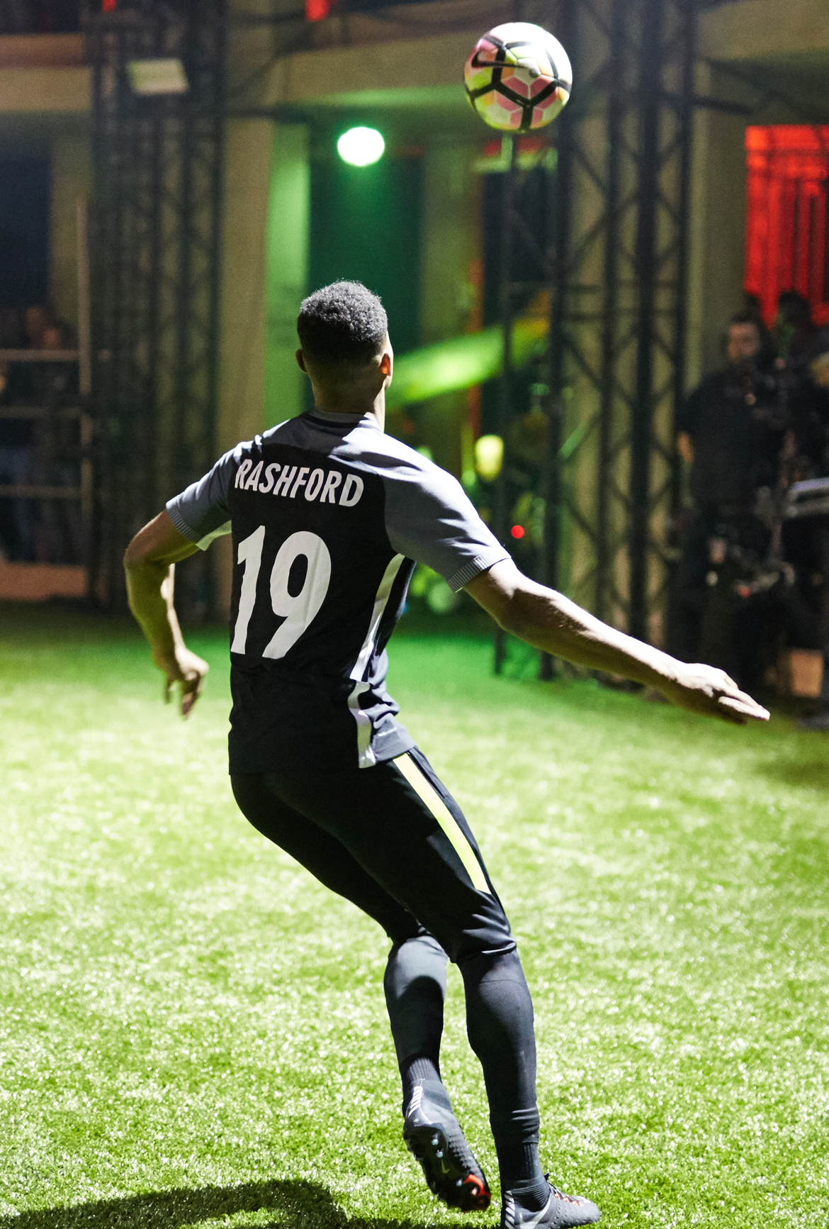 nike_strikenight_rashford3.jpg