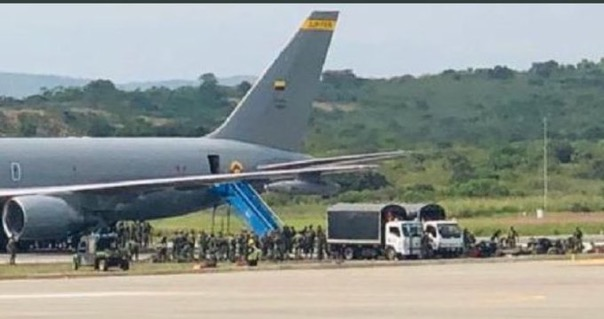 A Colombian Air Force KC-767 also transported Colombian soldiers to Cúcuta on the 1st February