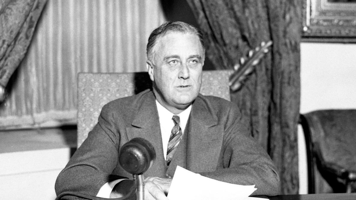 1939 - 1963:World War II and Cold War -